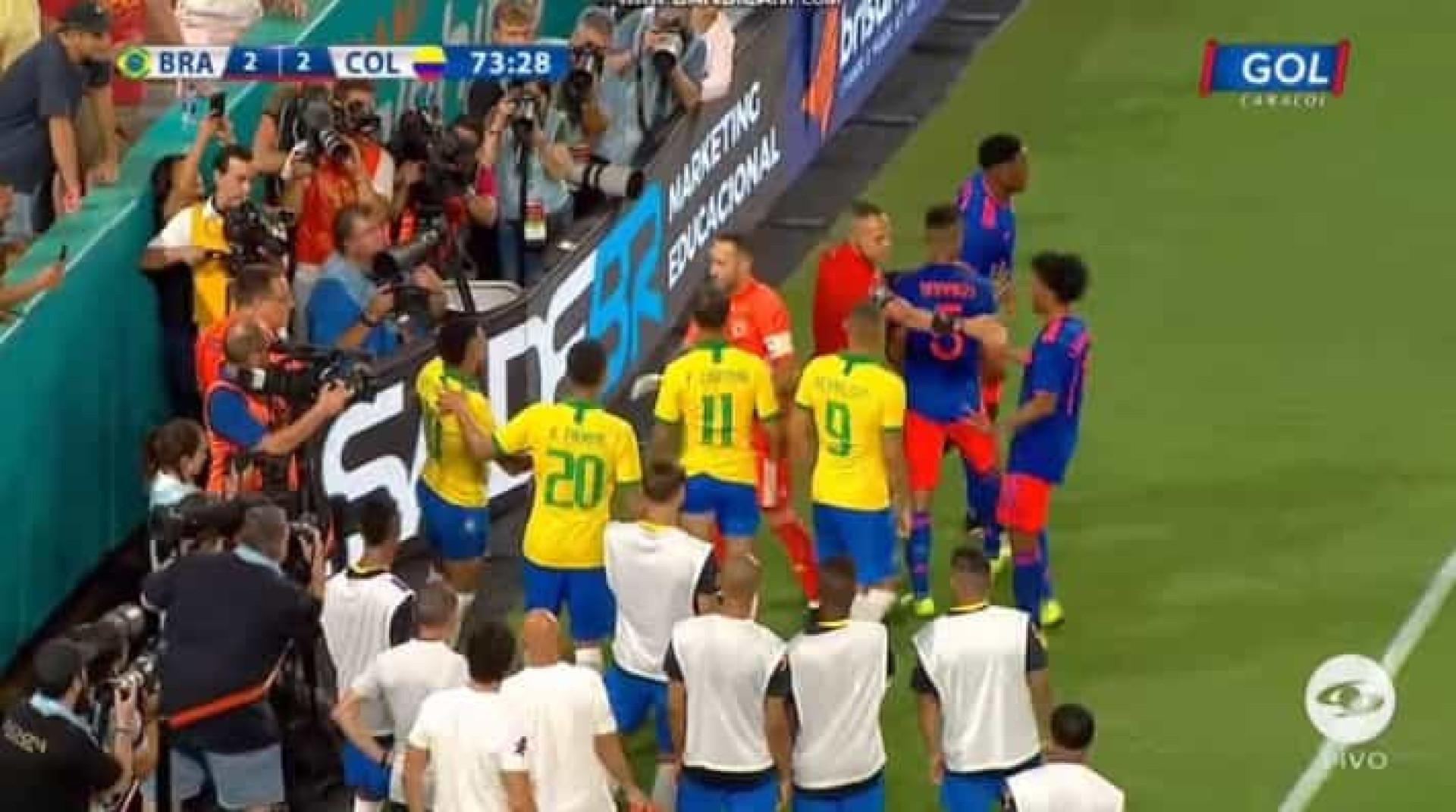 Susto em Miami: Neymar foi empurrado e saiu 'disparado' contra painel