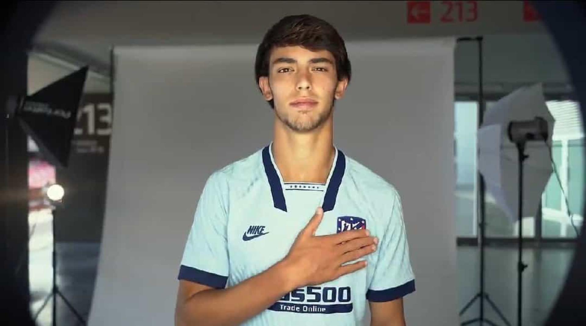 Félix em destaque na apresentação do terceiro equipamento do Atl. Madrid