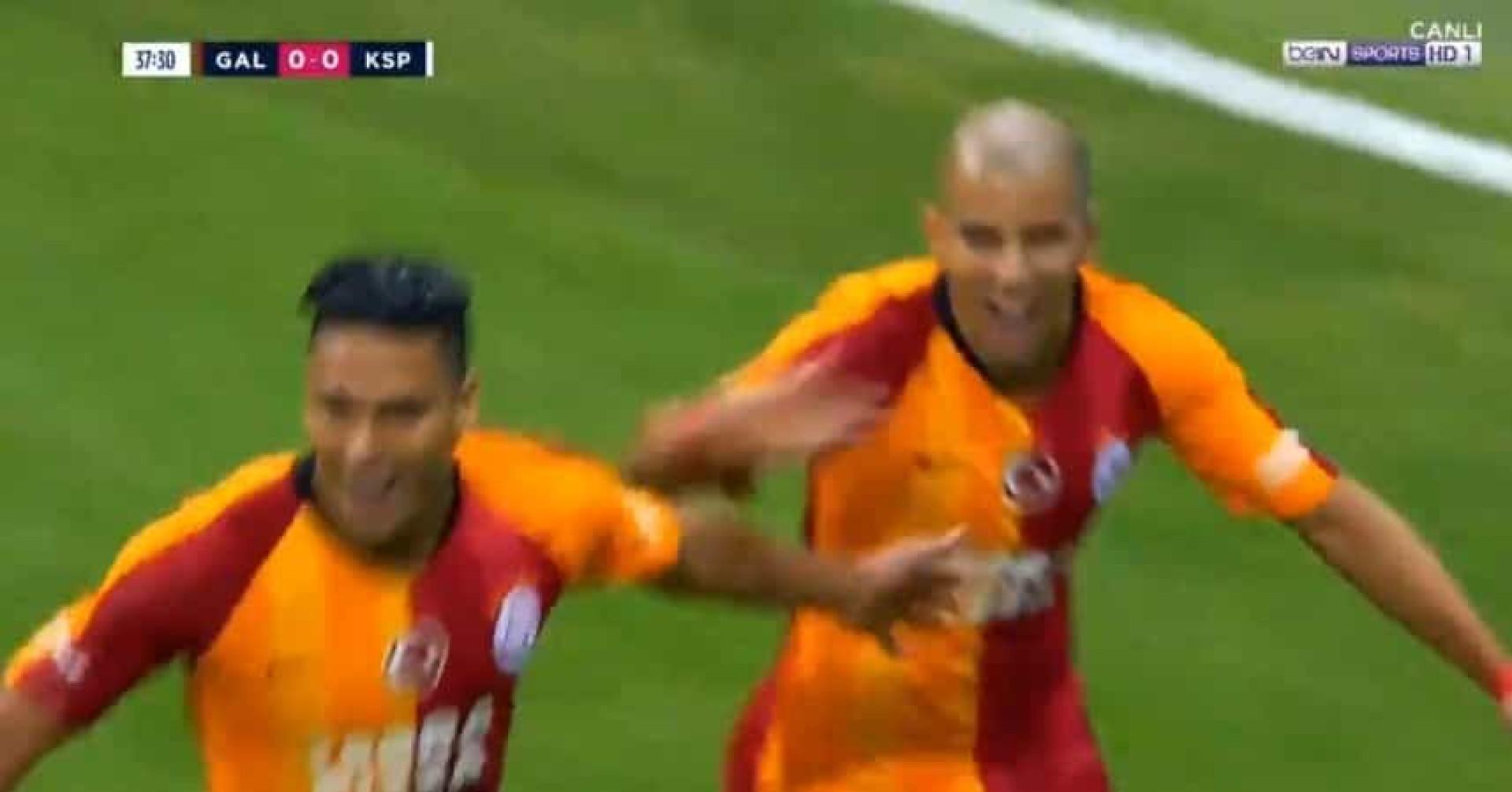 Falcao precisou de 38 minutos para fazer o primeiro golo no Galatasaray