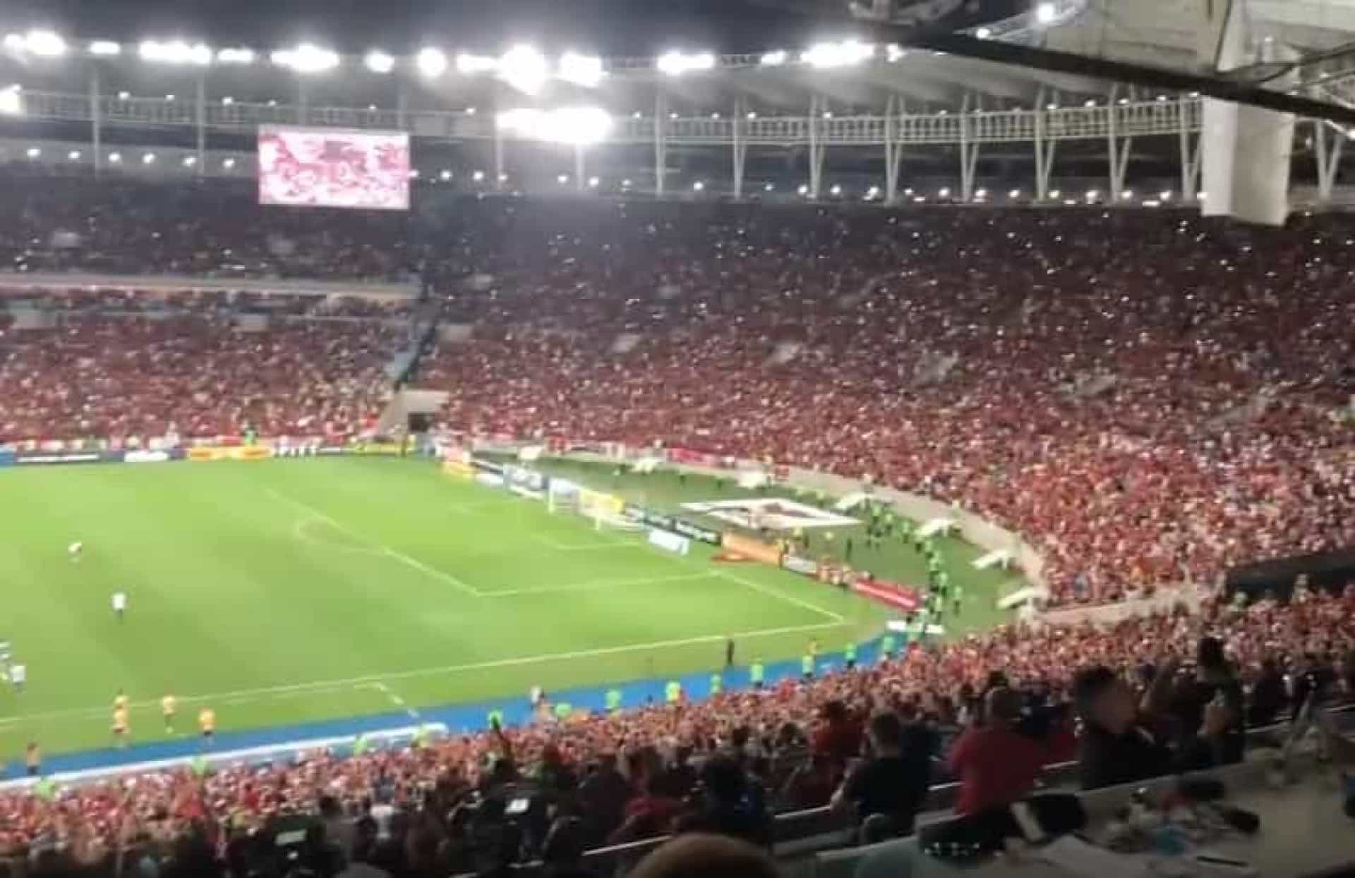 Incrível: Maracanã cantou em uníssono para Jorge Jesus