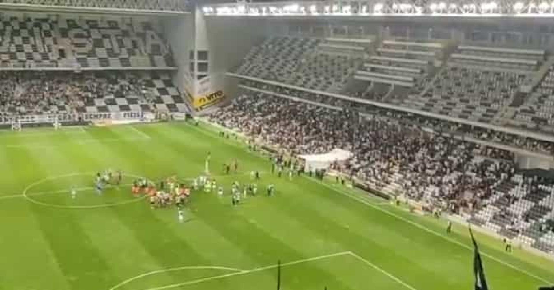 Claques do Sporting fartam-se de Varandas e gritam assim ao seu líder