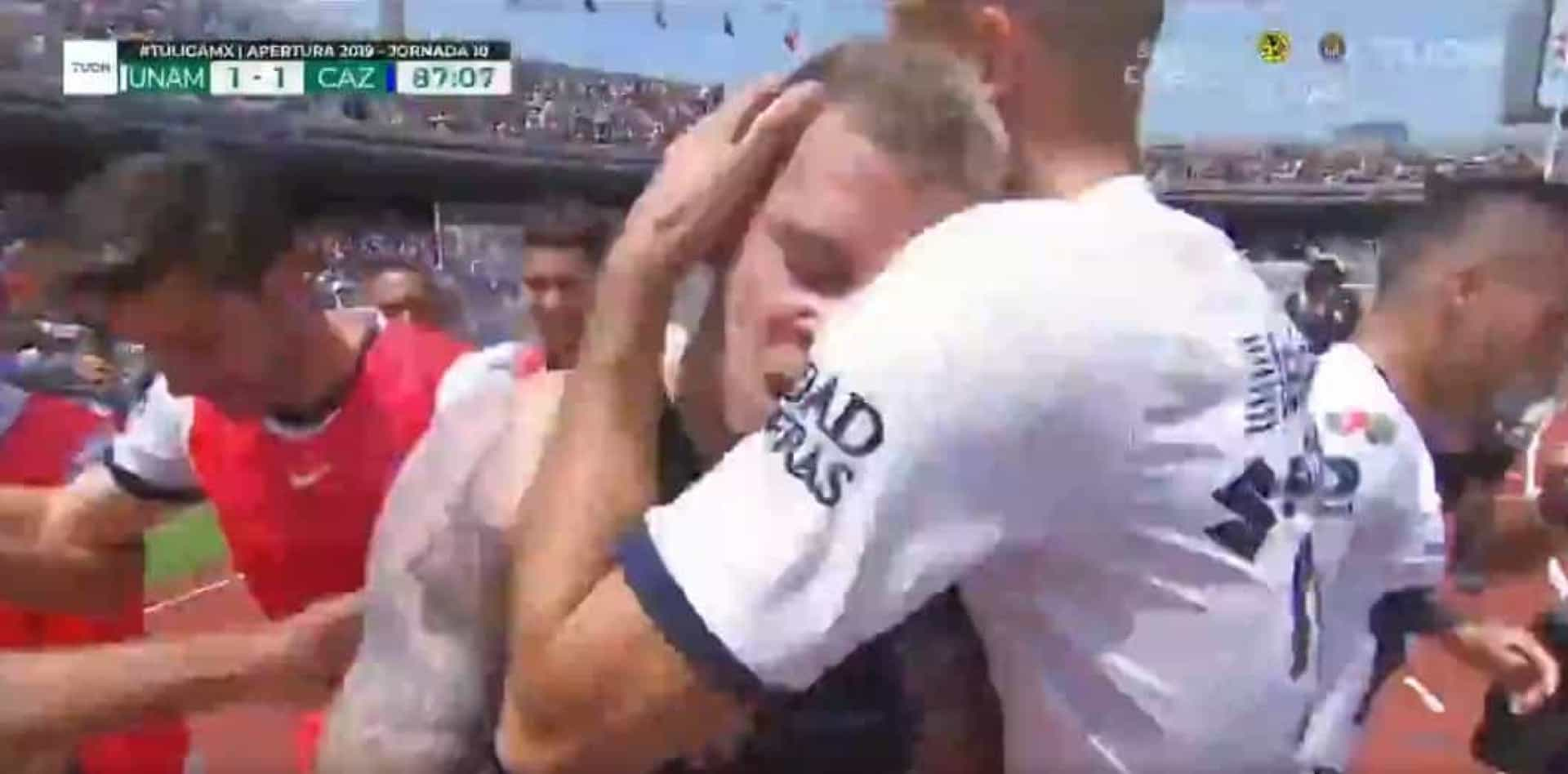 Iturbe (lembra-se dele?) marcou um golo incrível no México