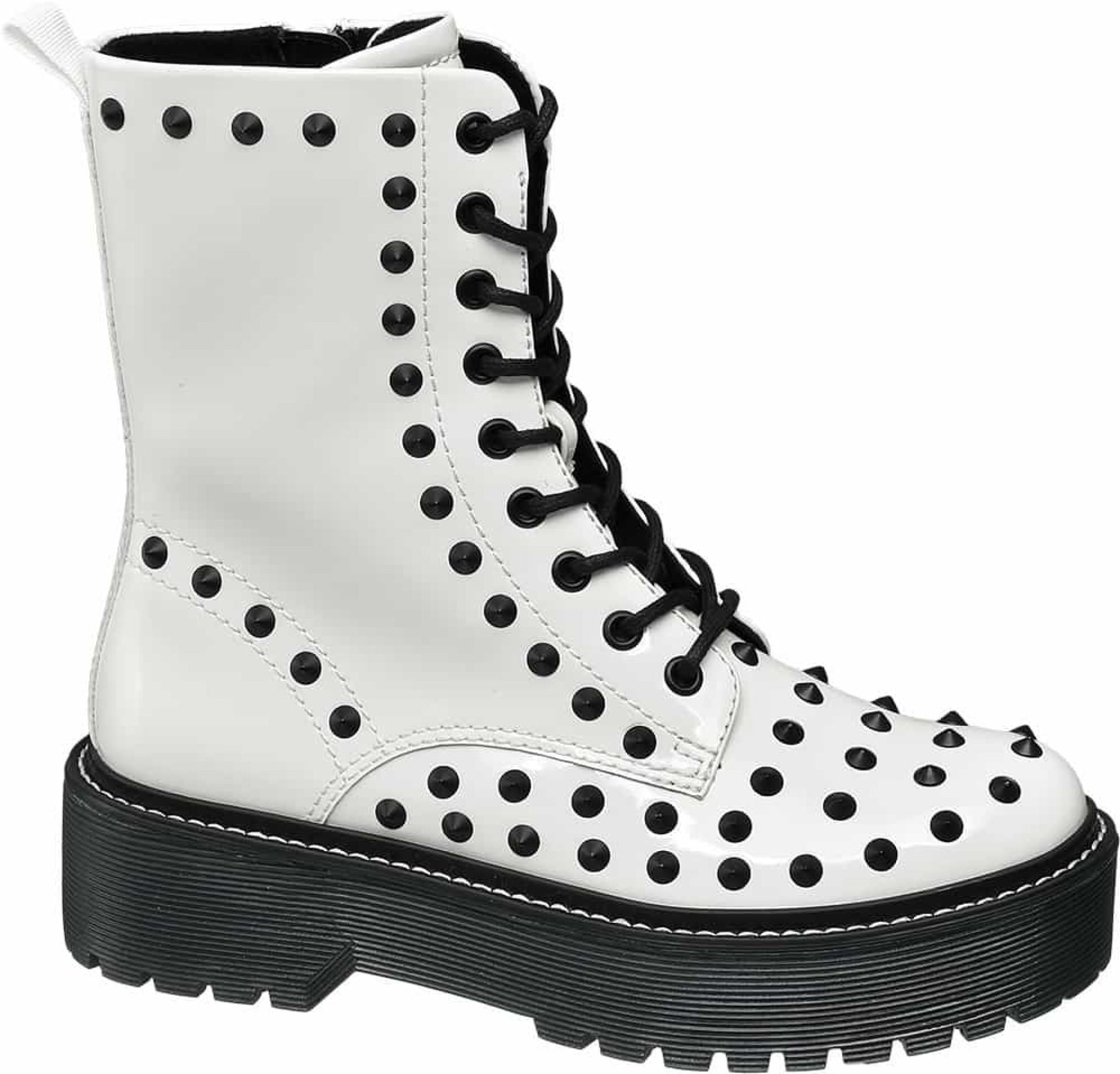 Botas branco gélido, é a proposta da Deichmann para este inverno