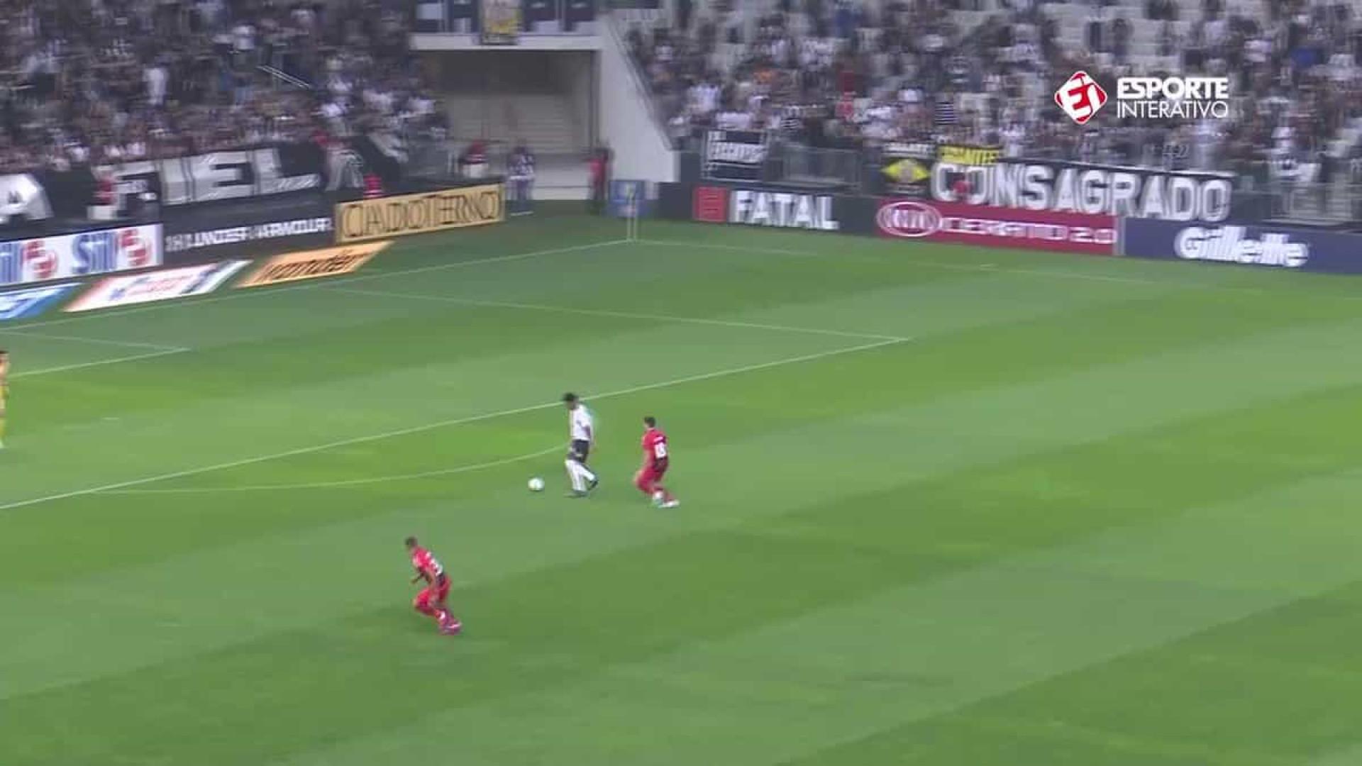 Jogada entre Corinthians e Athletico é candidata a 'falhanço do ano'