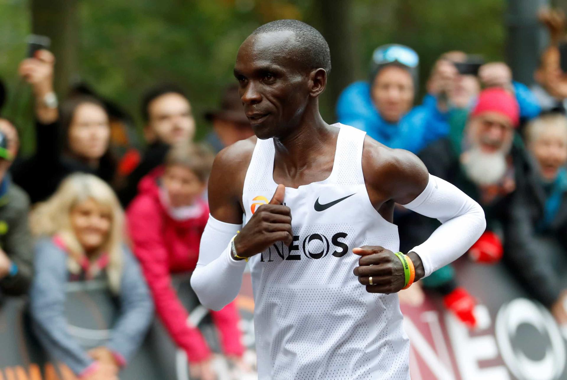 Histórico: Eliud Kipchoge fez o que nunca ninguém conseguiu numa maratona