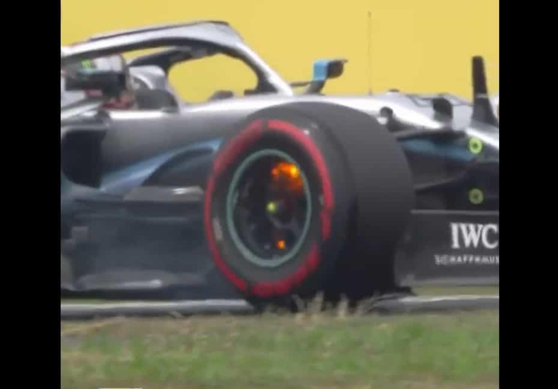 Travões de Lewis Hamilton começaram a arder em plena pista