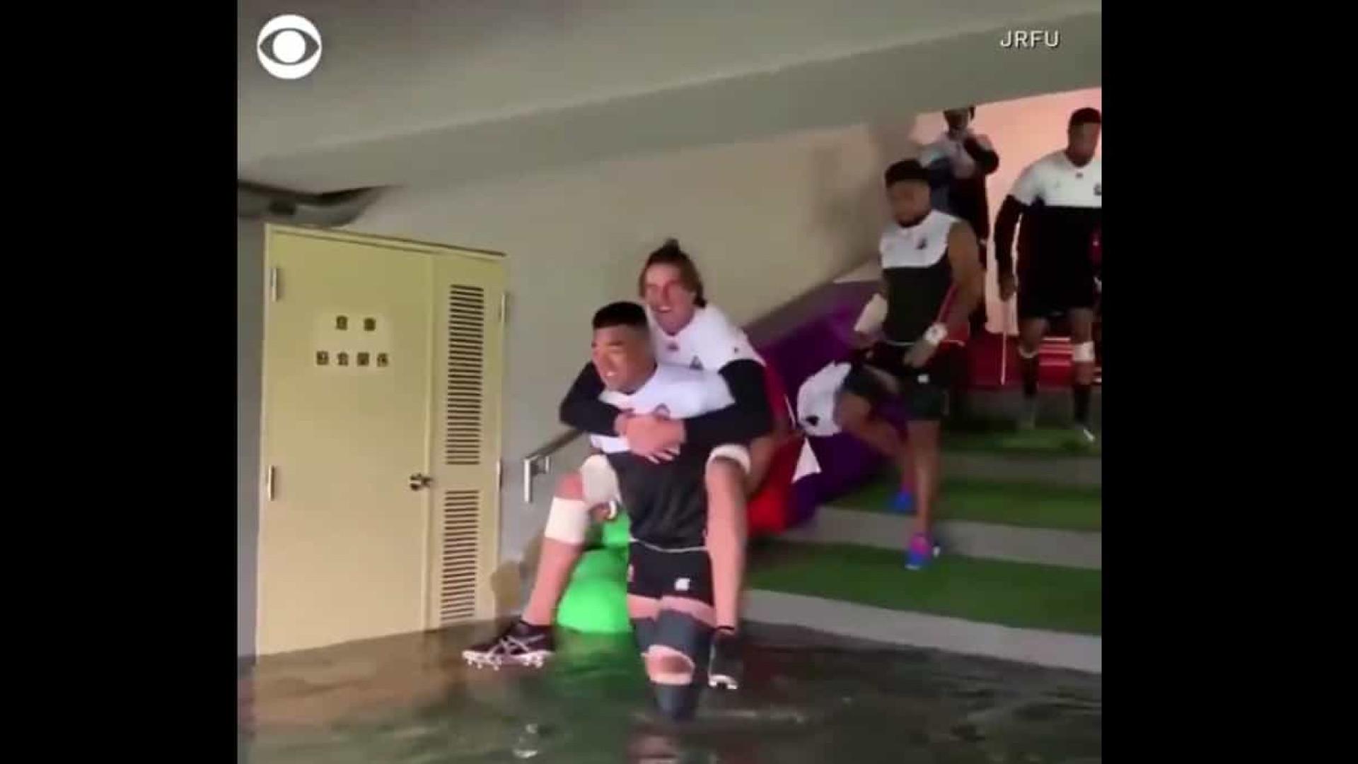 Seleção do Japão quase precisou de 'barco' para chegar ao relvado