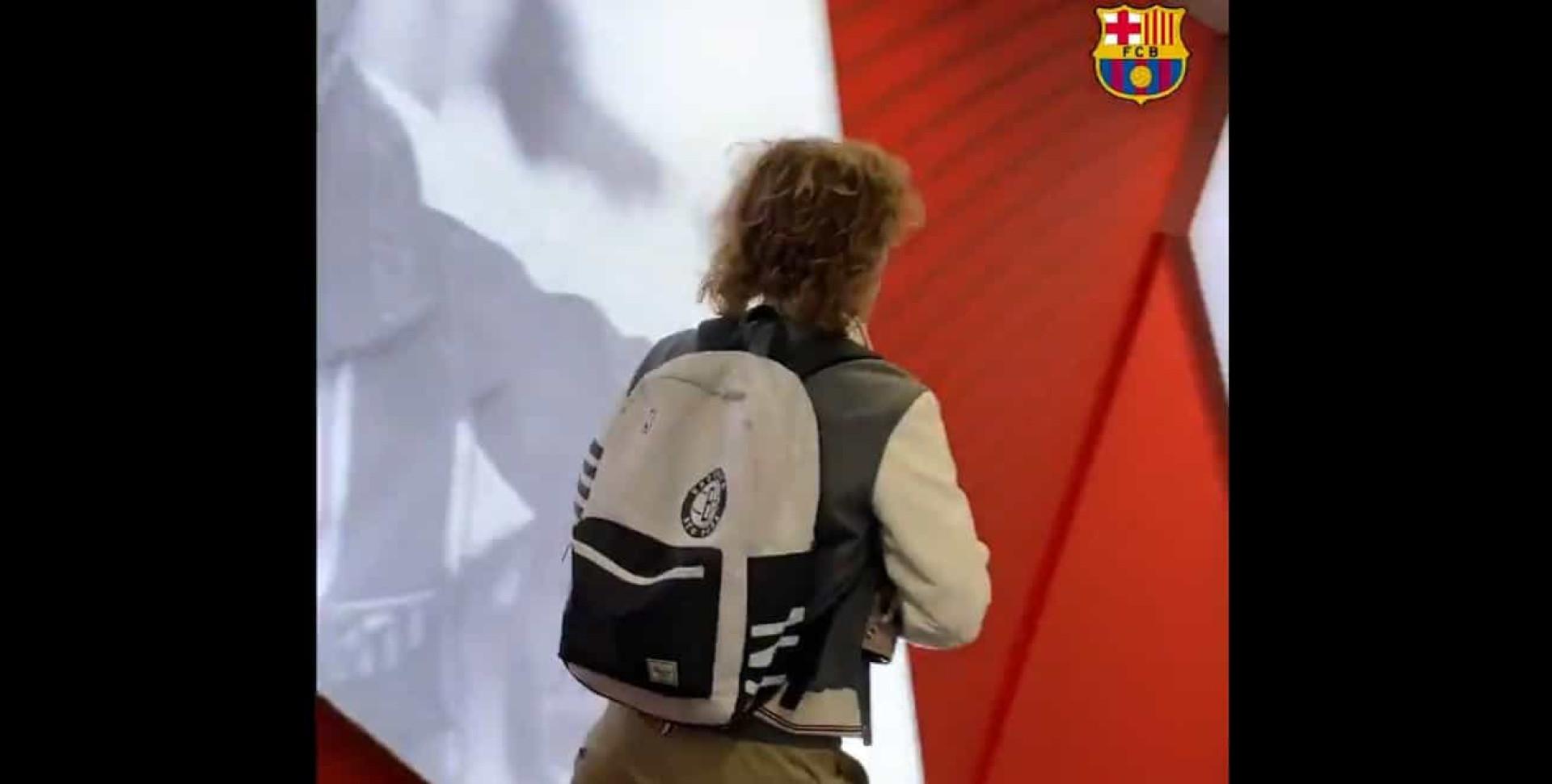 O que significa o gesto de Griezmann em Madrid e que toda a gente fala?