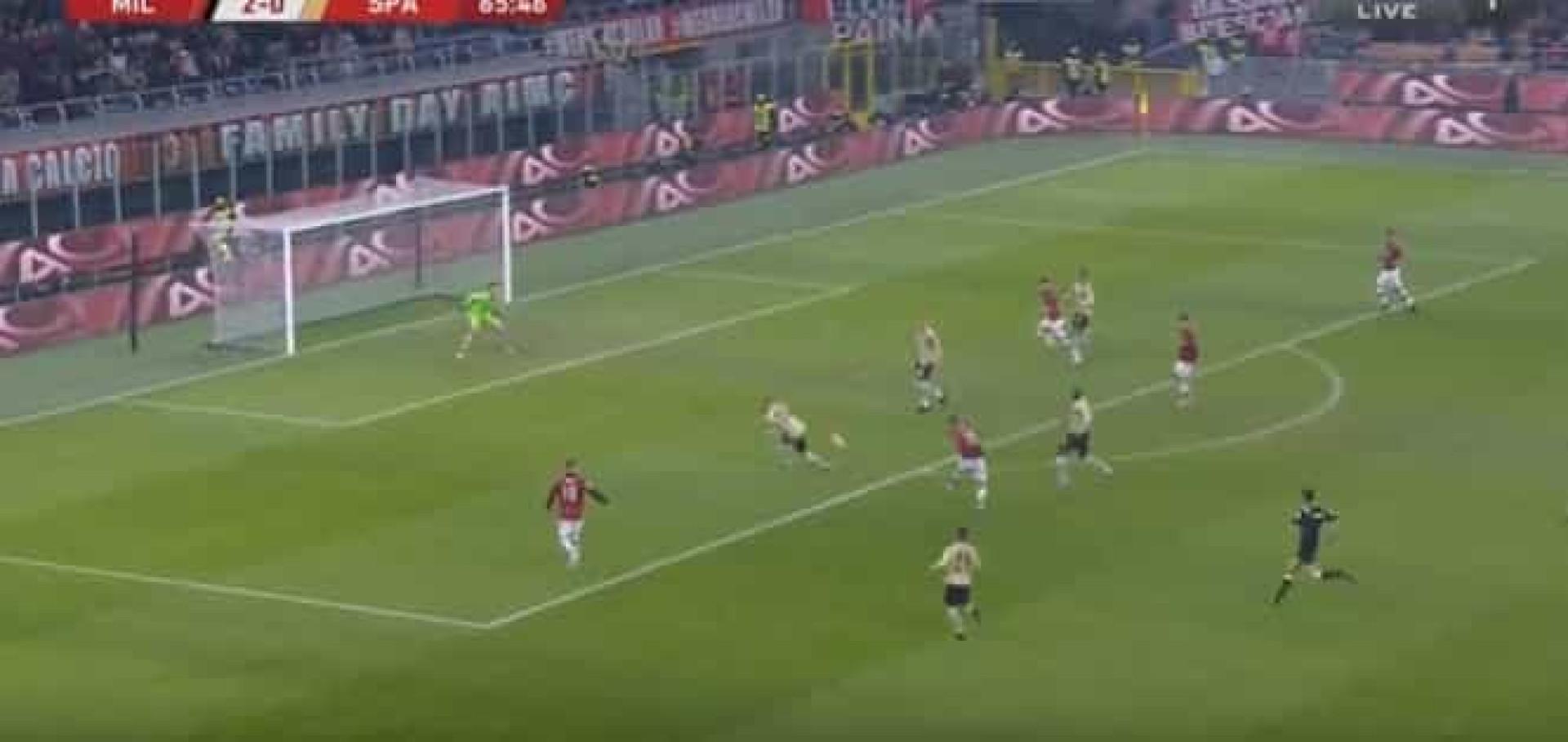 O golaço de Theo Hernández que selou o triunfo do AC Milan na Taça