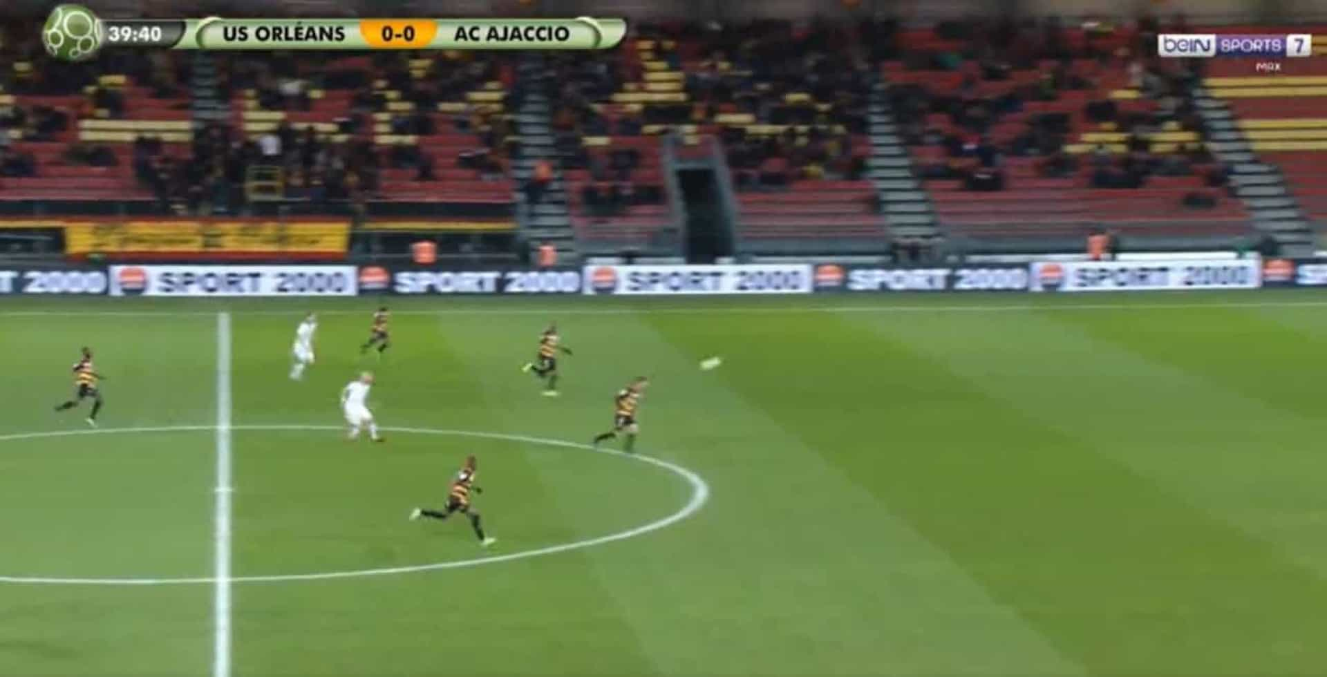 'Vai já daqui': Golaço do meio-campo na segunda divisão francesa
