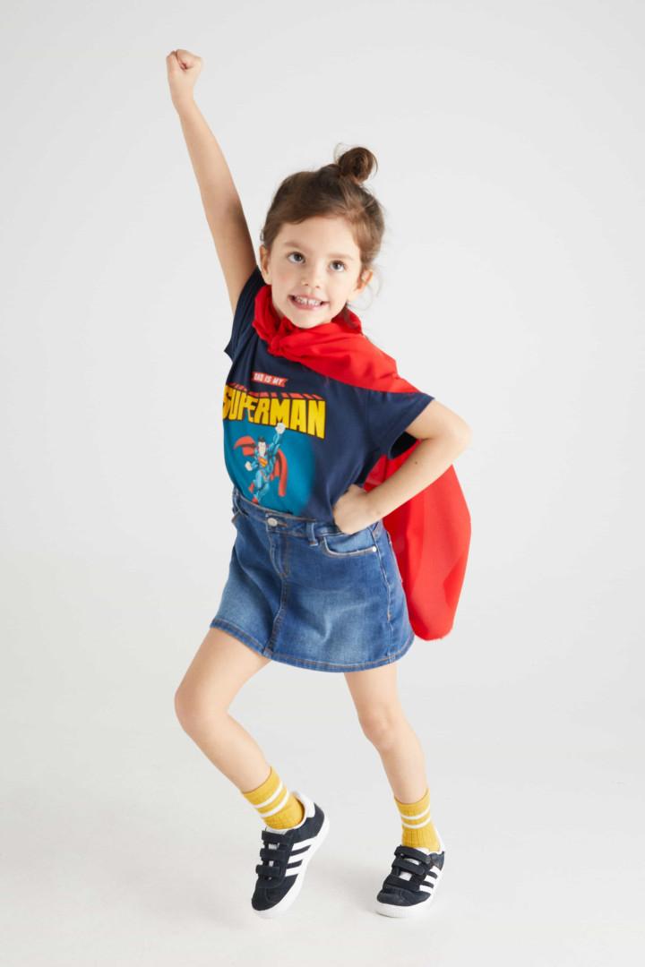Cortefiel apresenta t-shirts divertidas para pais e filhos