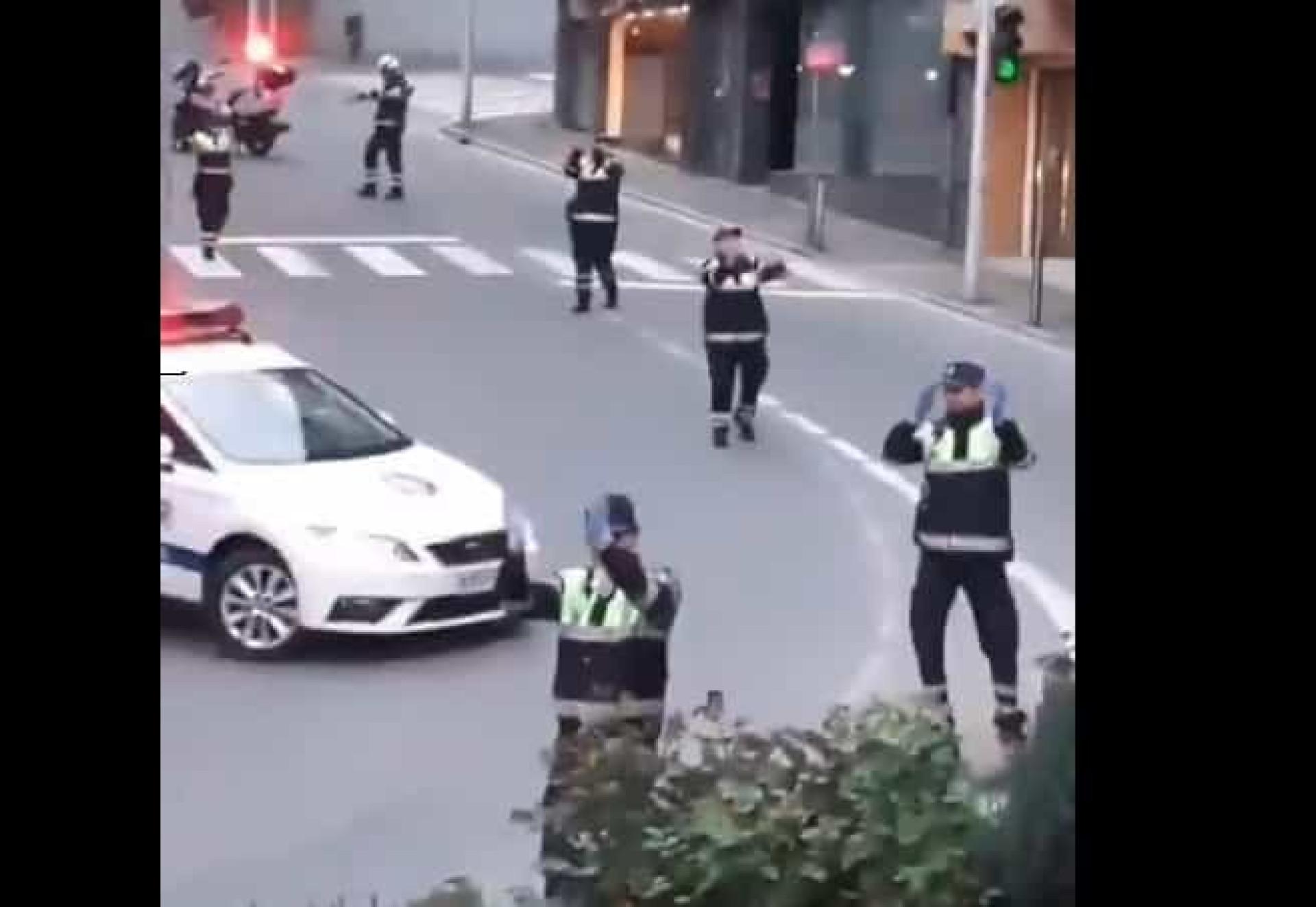 Guardia Civil agradece homenagens dançando ao som de... 'Baby Shark'