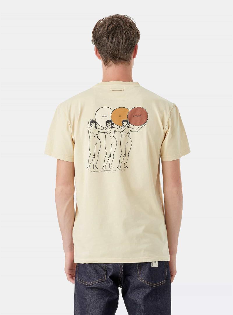 T-shirts da Deeply contribuem para a reflorestação autóctone