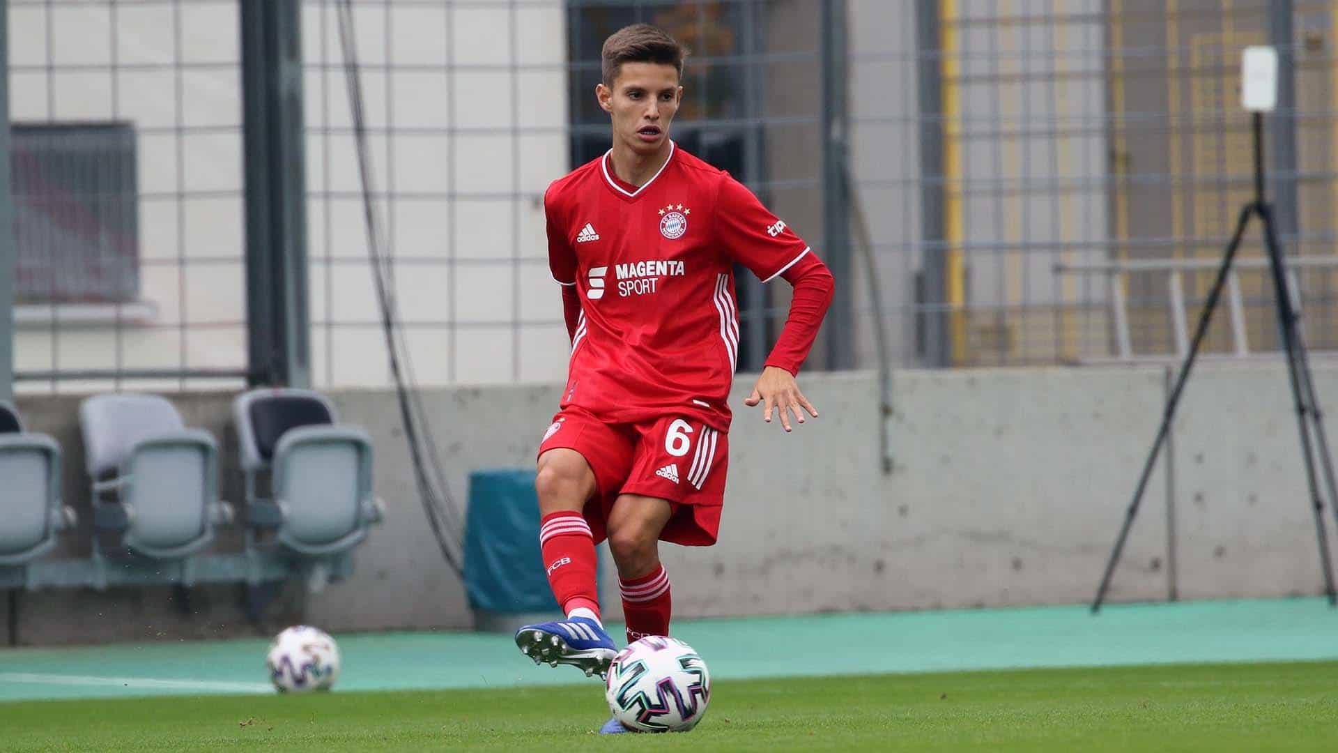 Tiago Dantas estreou-se pelo Bayern Munique B. Veja como jogou
