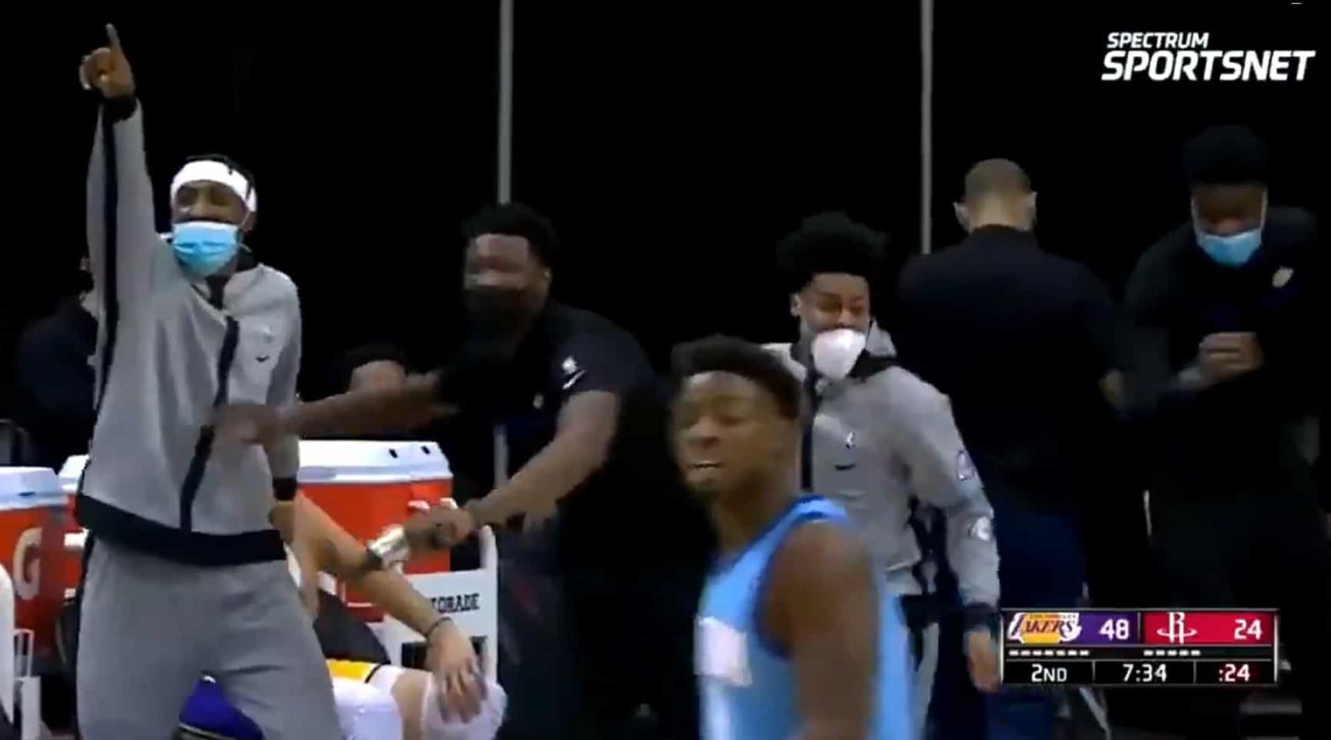 O lance de LeBron James que dá que falar. Lançou e... virou costas