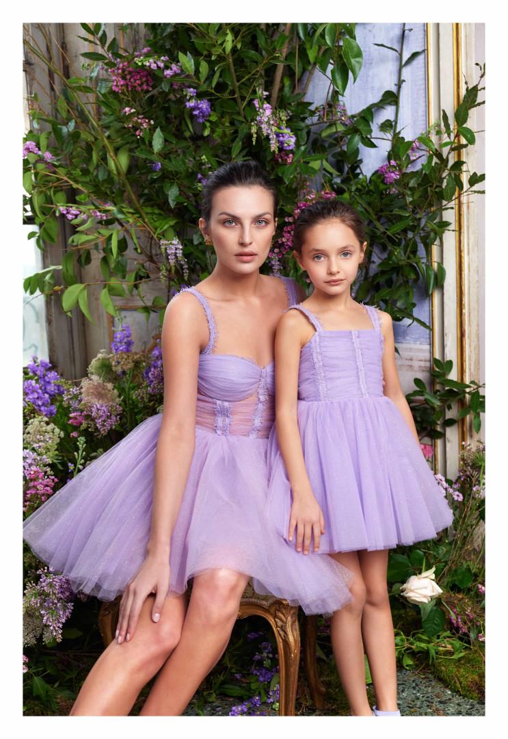 A nova coleção de Elisabetta Franchi é destemida, determinada e delicada