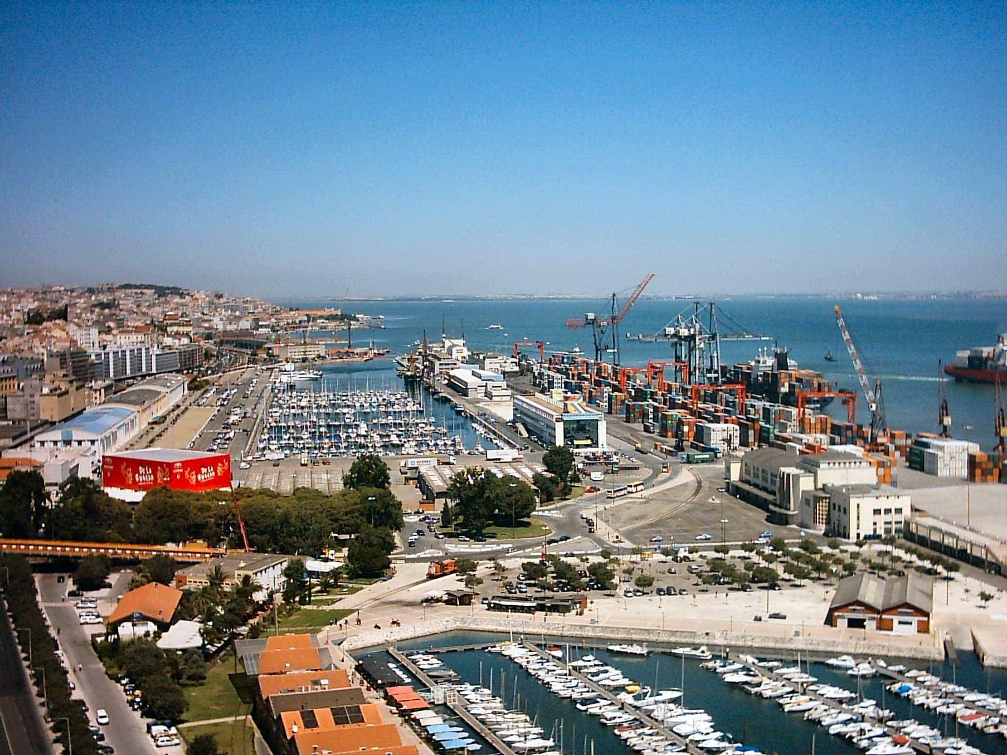 """Estivadores pedem intervenção face a """"estado antidemocrático"""" nos portos"""