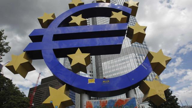 Taxas Euribor caem a 6 e sobem para máximos a 12 meses