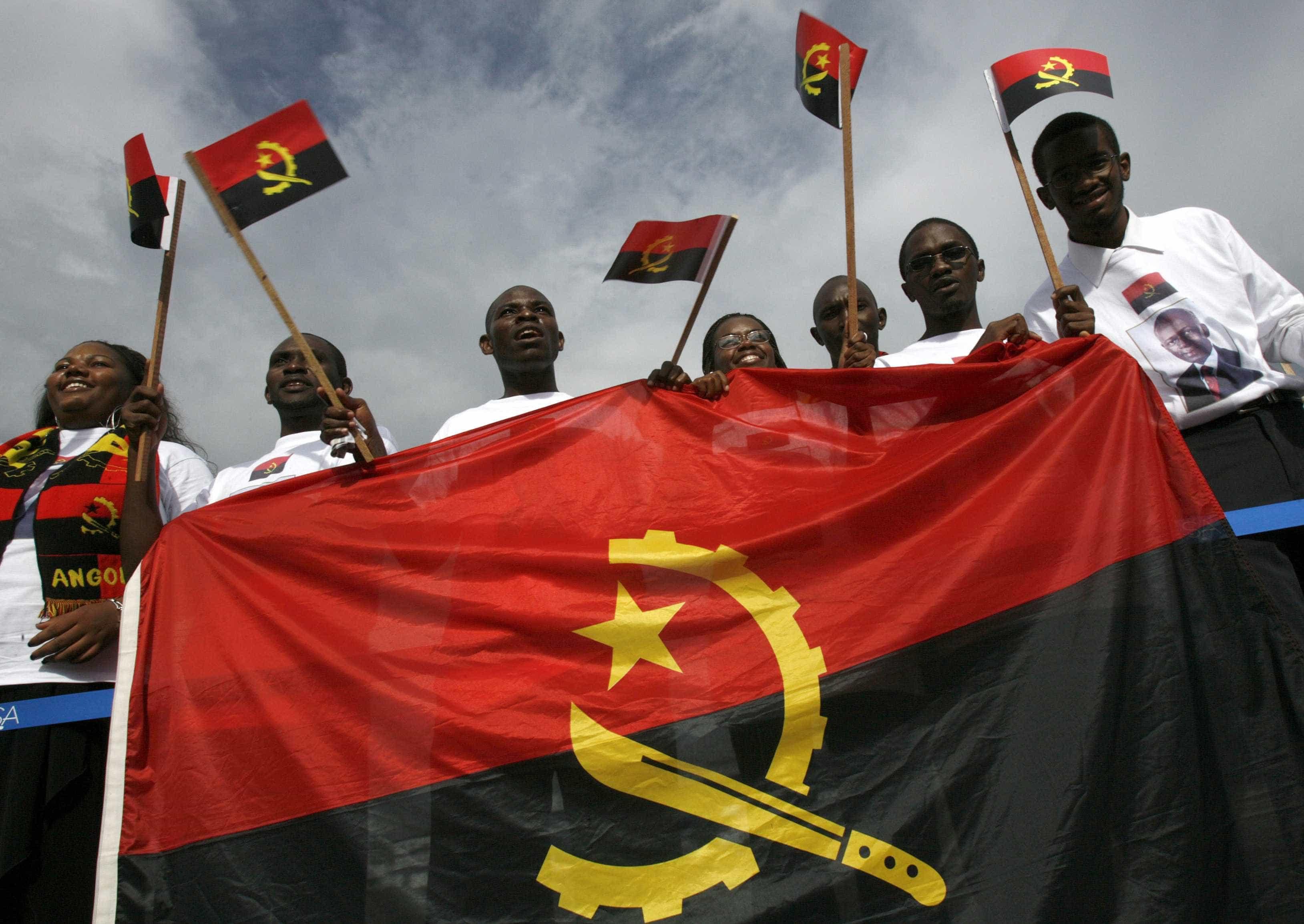 Angola 'contra-ataca' com investigação a portugueses