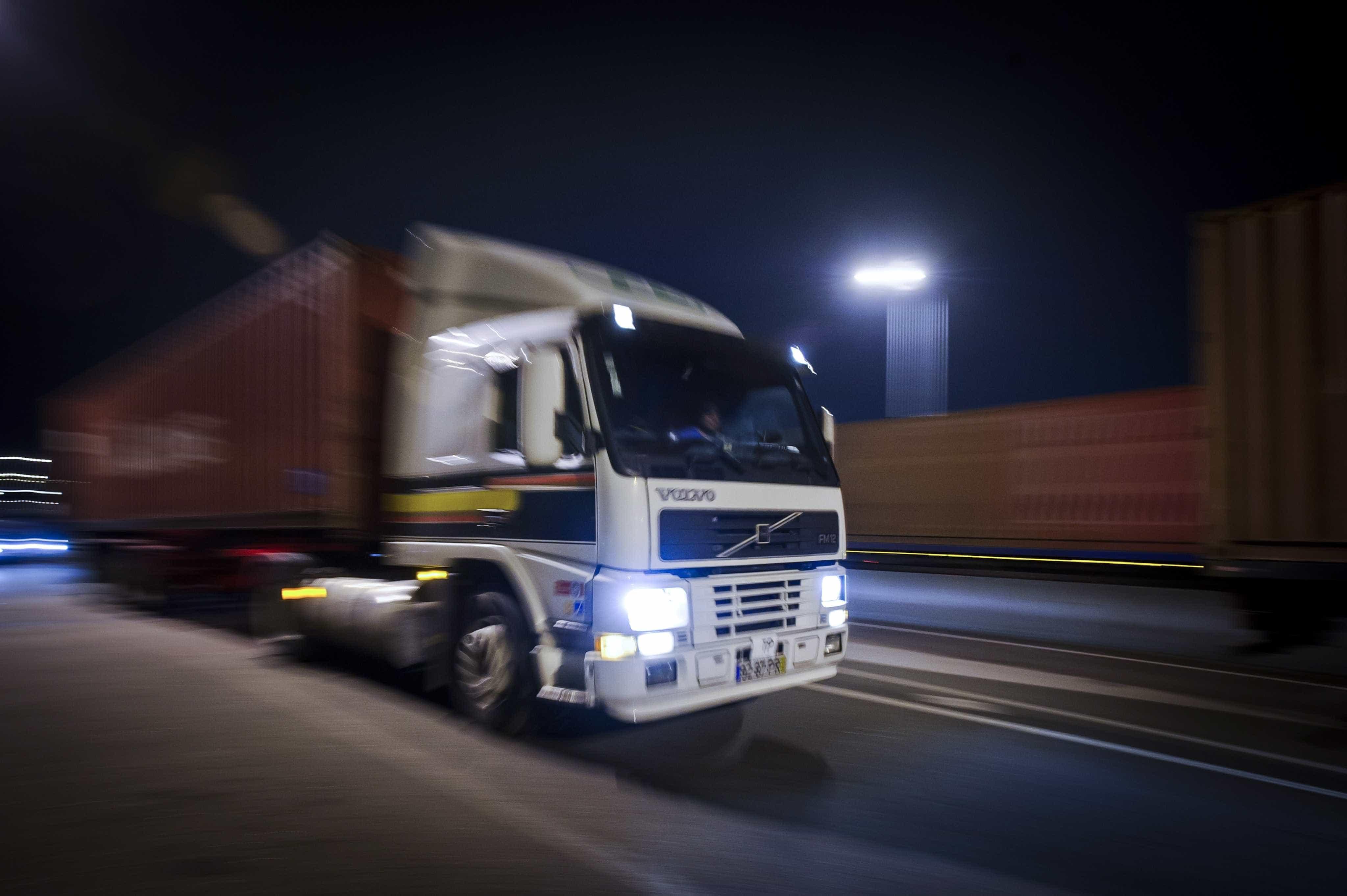 Motoristas de transporte internacional isentos de destacamento da UE