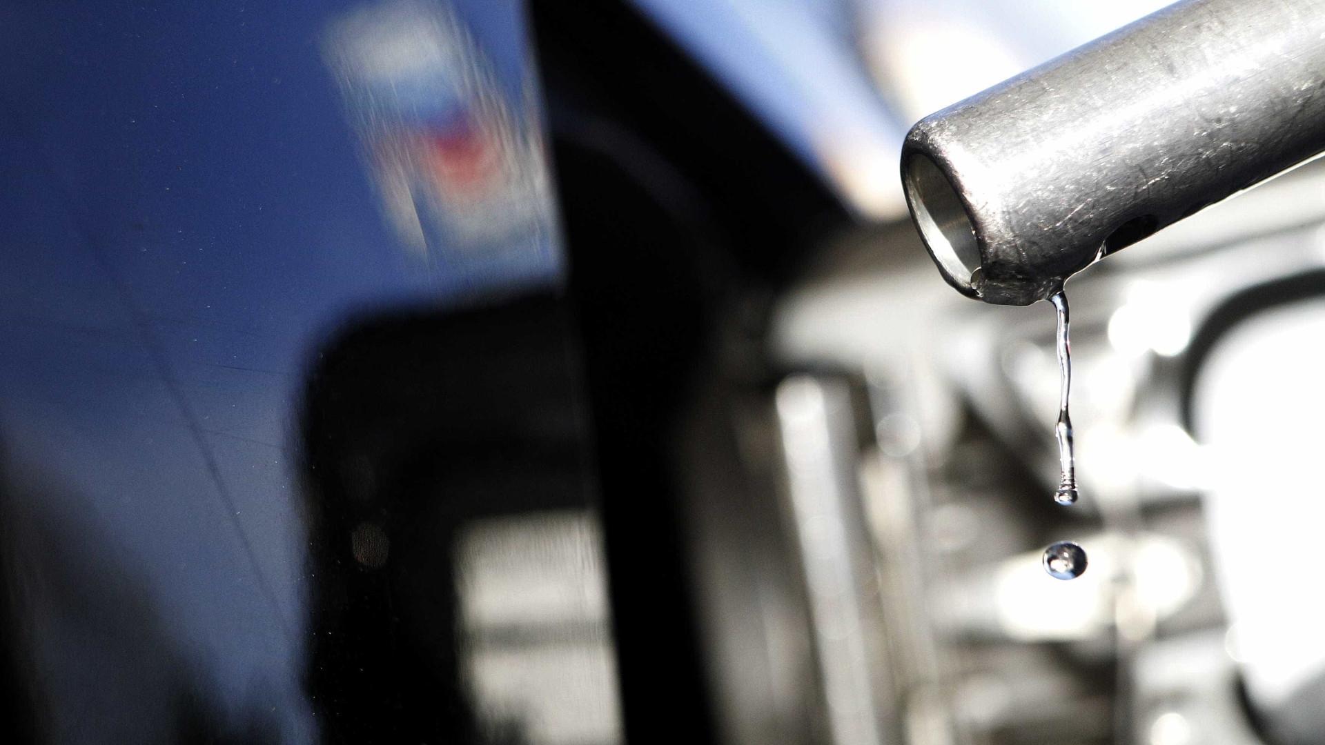 Dirigentes procuram garantir gasolina no Sudeste dos EUA