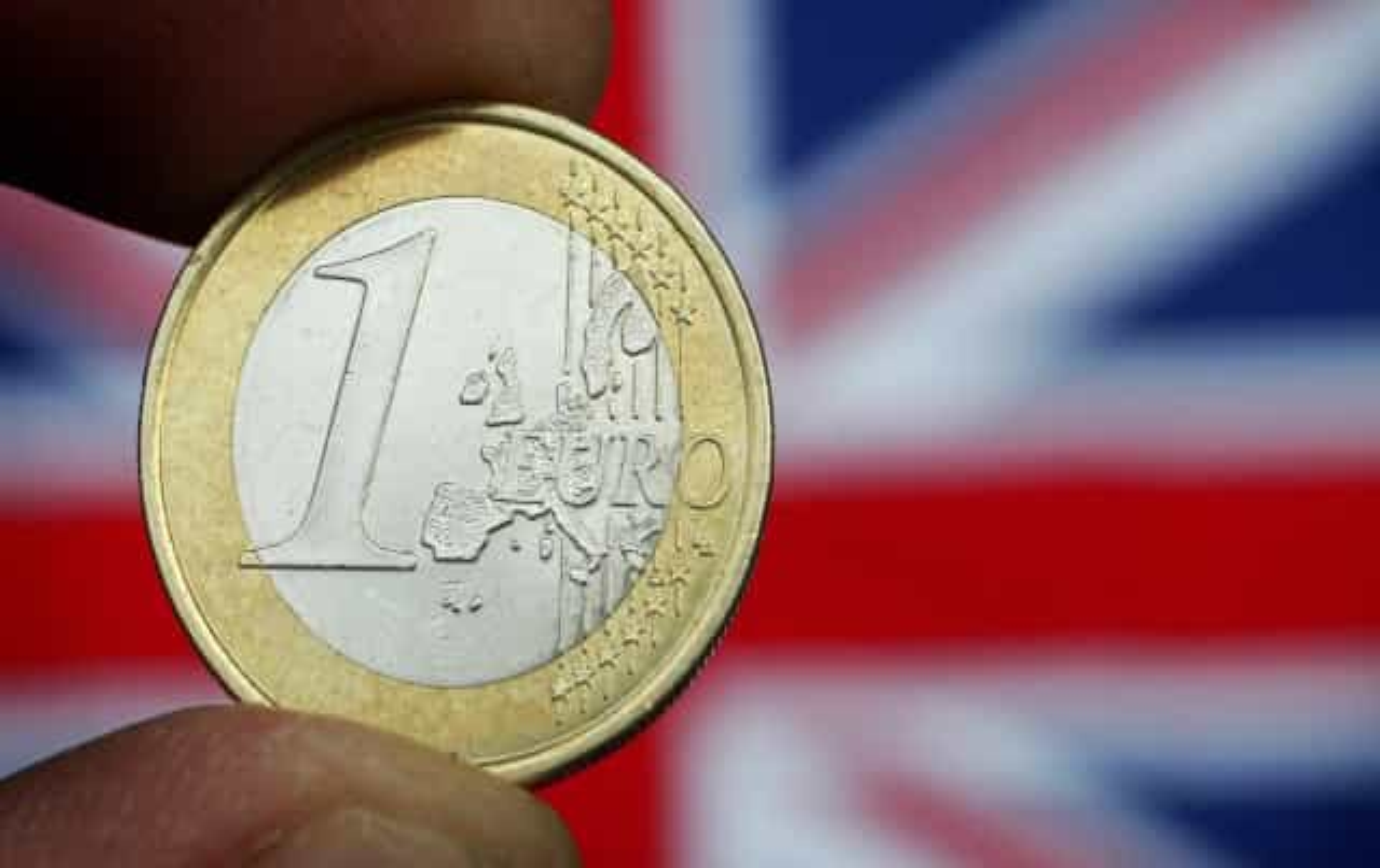 'Brexit': Libra sobe com possibilidade de Londres aceitar adiamento