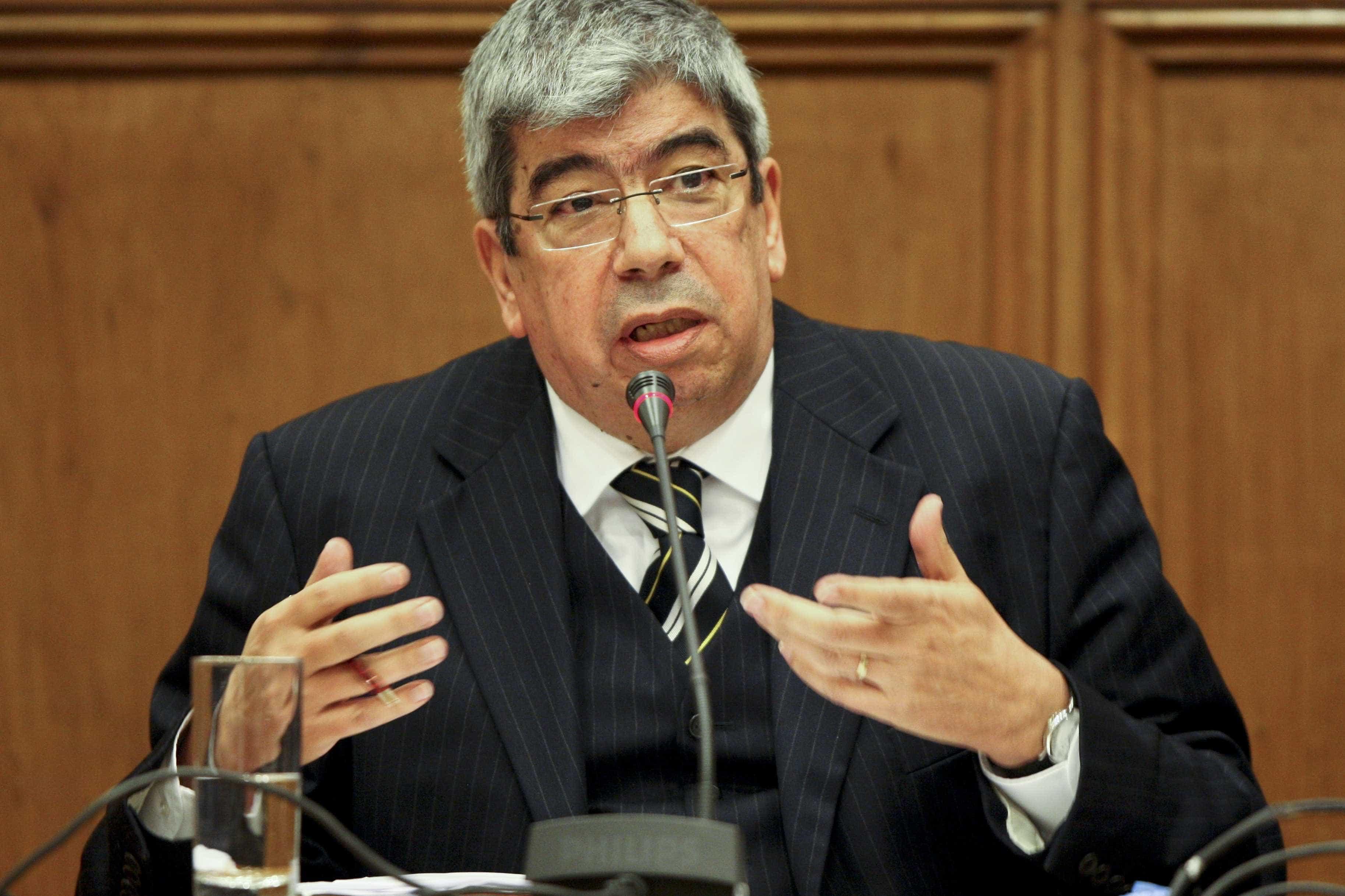 Ferro 'entra' no debate entre PSD e Costa sobre relatório da OCDE