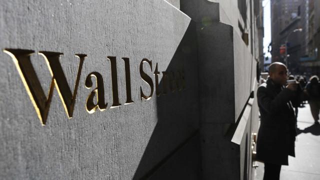 Wall Street fecha em alta graças ao regresso das tecnológicas