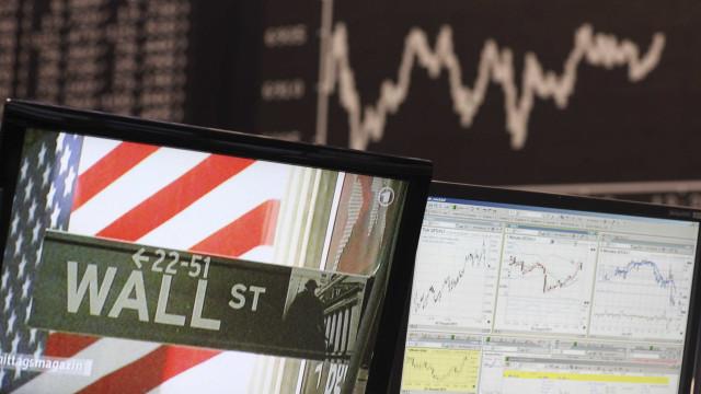 Mercados acionistas norte-americanos encerram mistos