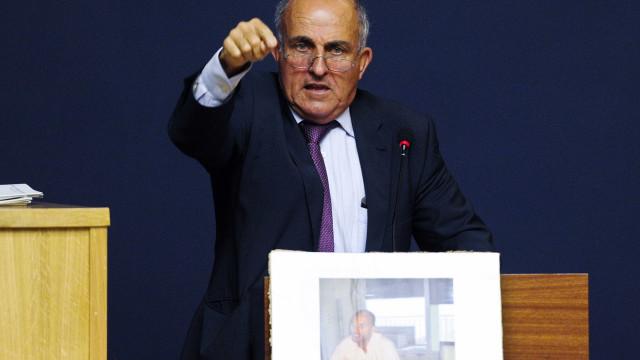 Coelho não vai comparecer ao julgamento por ser candidato às europeias