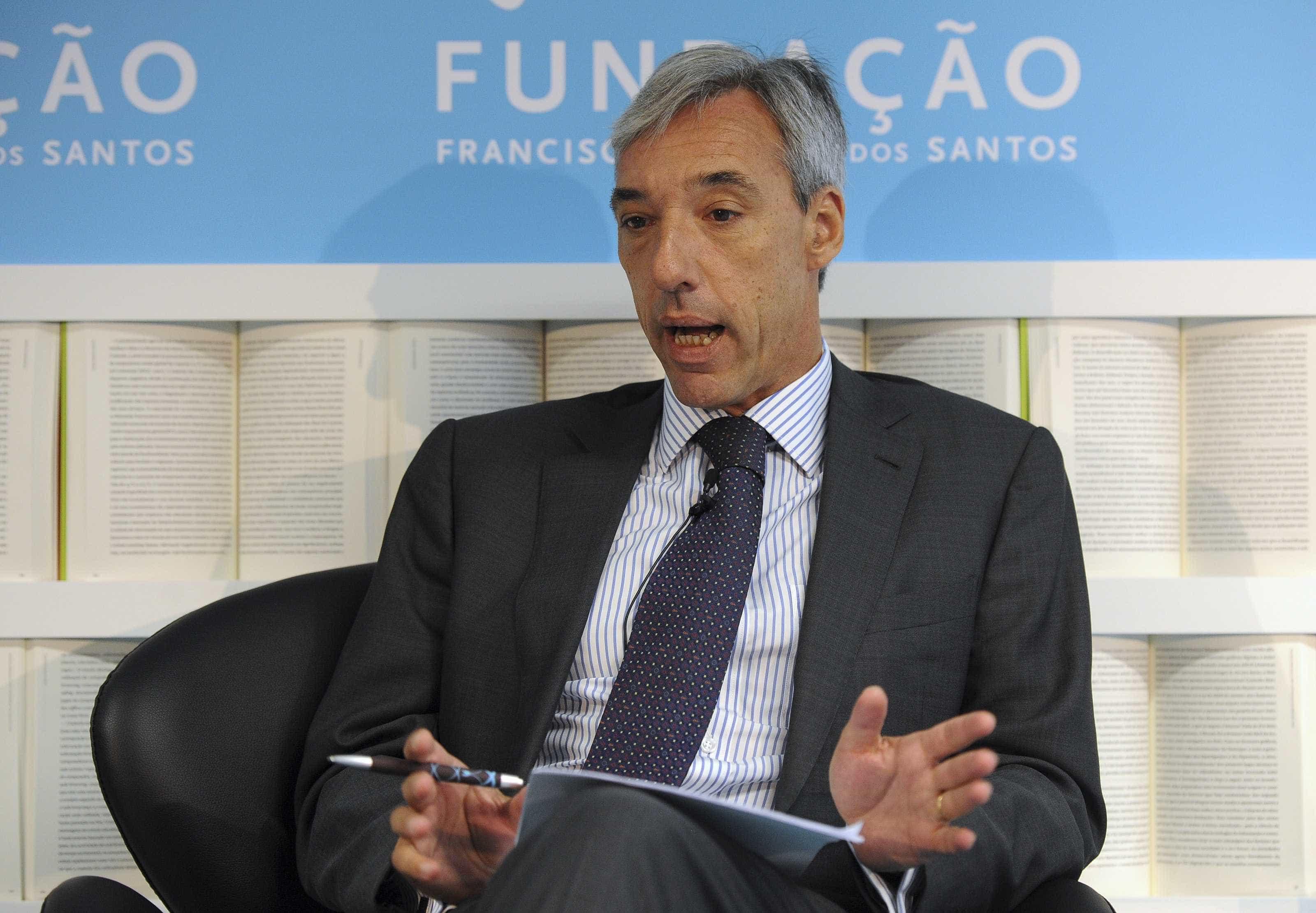 PSD quer ouvir novo ministro da Defesa sobre demissão de Rovisco Duarte