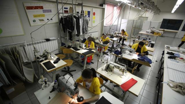 Volume de negócios na indústria cresceu 2,5% em janeiro