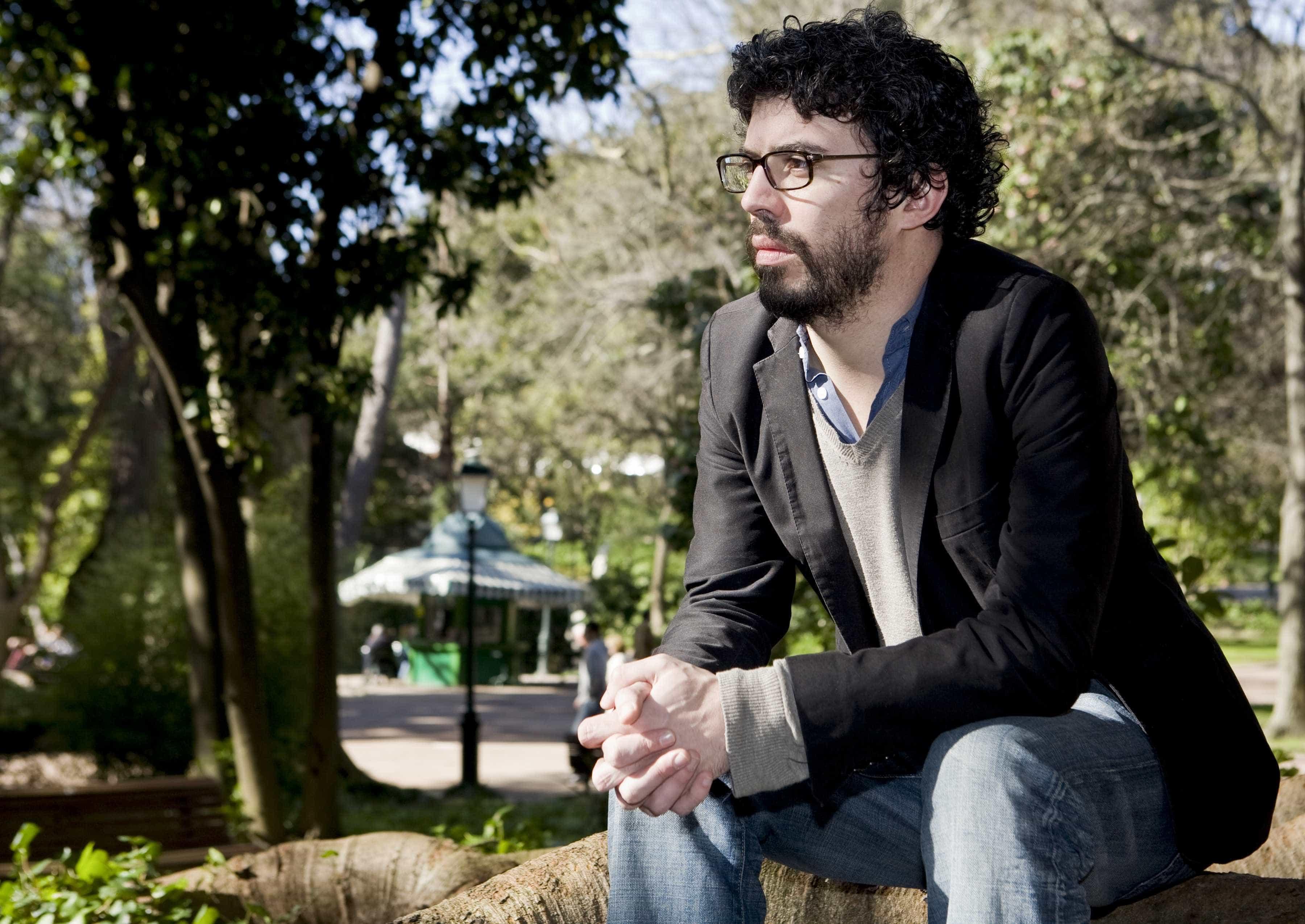 Um prémio Man Booker, poesia de Freeman e novo de João Tordo em março
