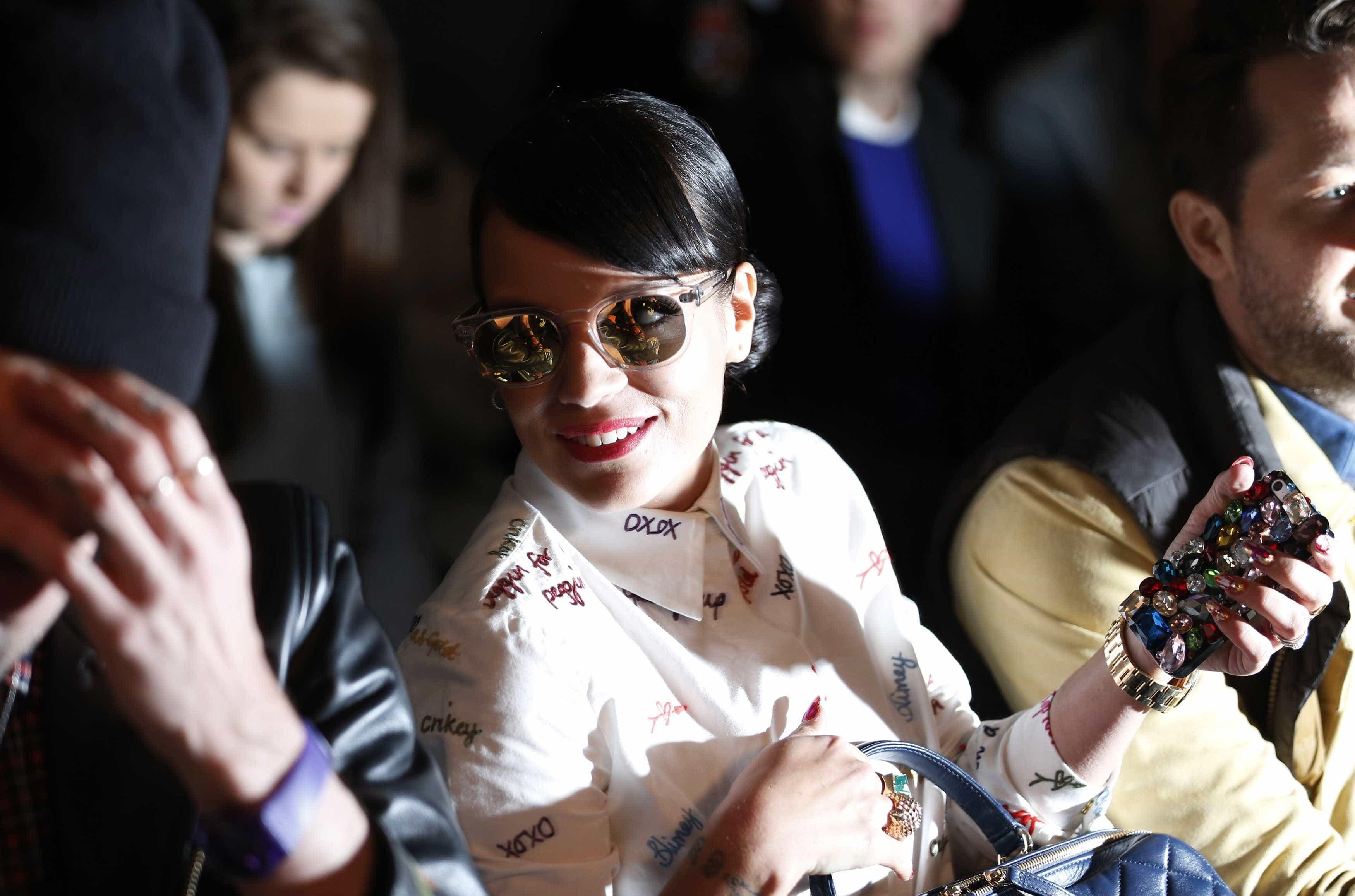 Lily Allen acusa polícia de tentar encobrir o seu caso com um stalker