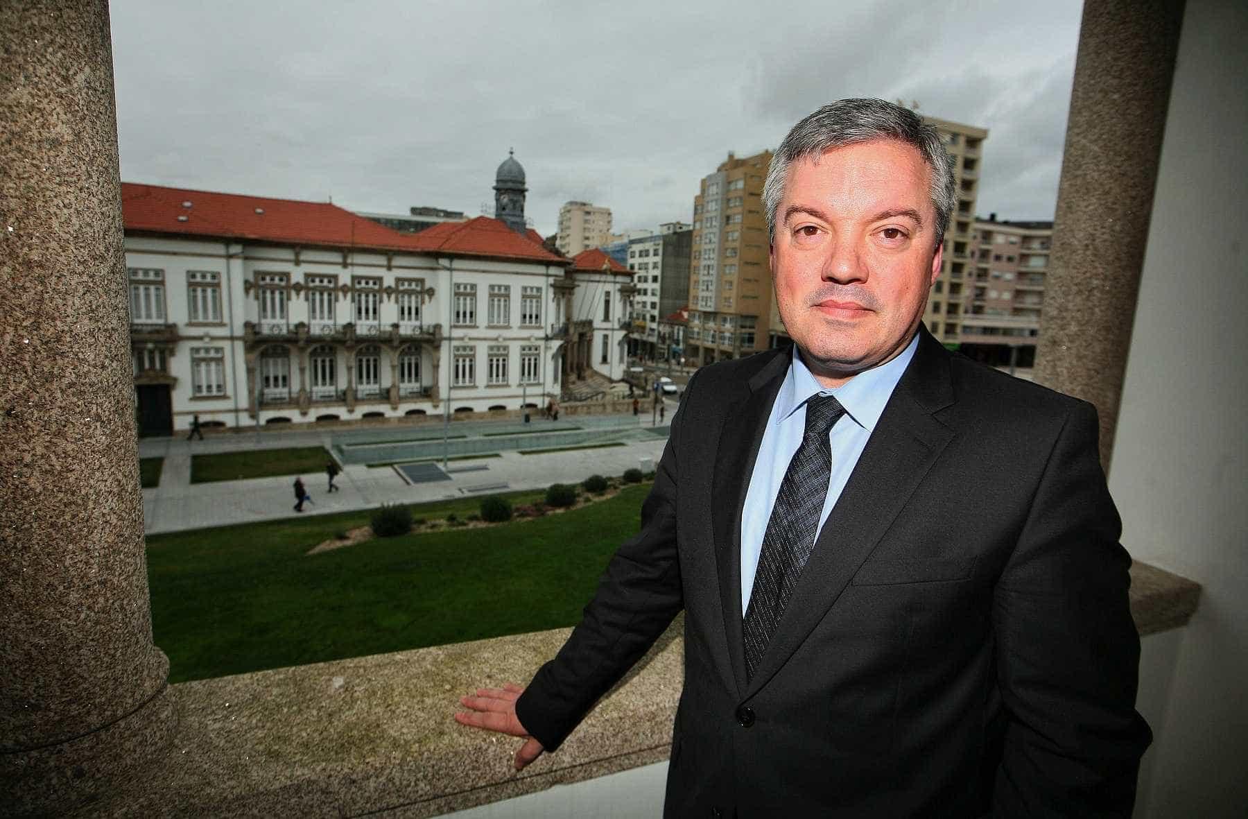 Divulgação do passe único no Porto revista por causa de proibição da CNE