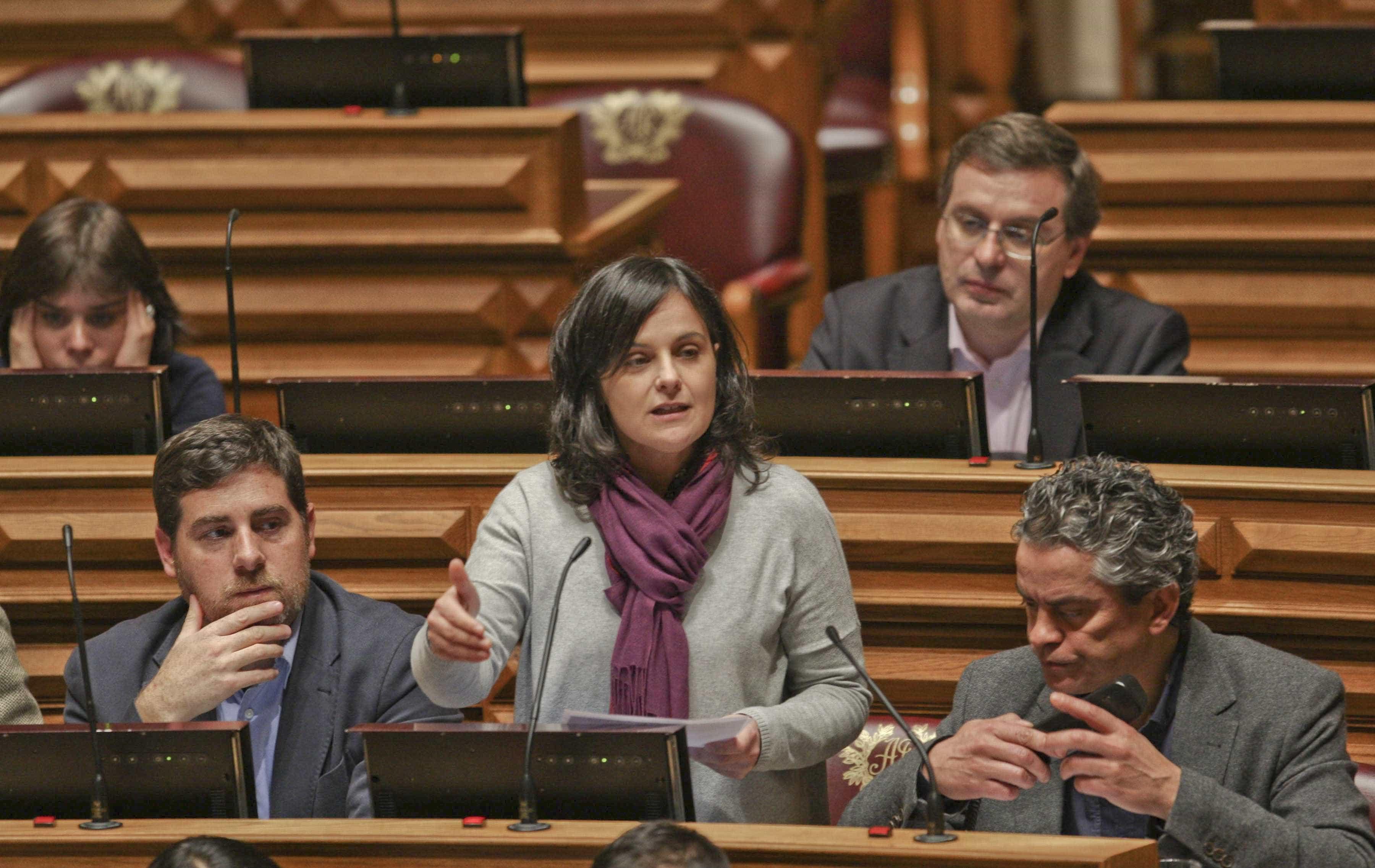 """PCP diz que Governo não pode """"ceder à chantagem"""" dos grupos privados"""