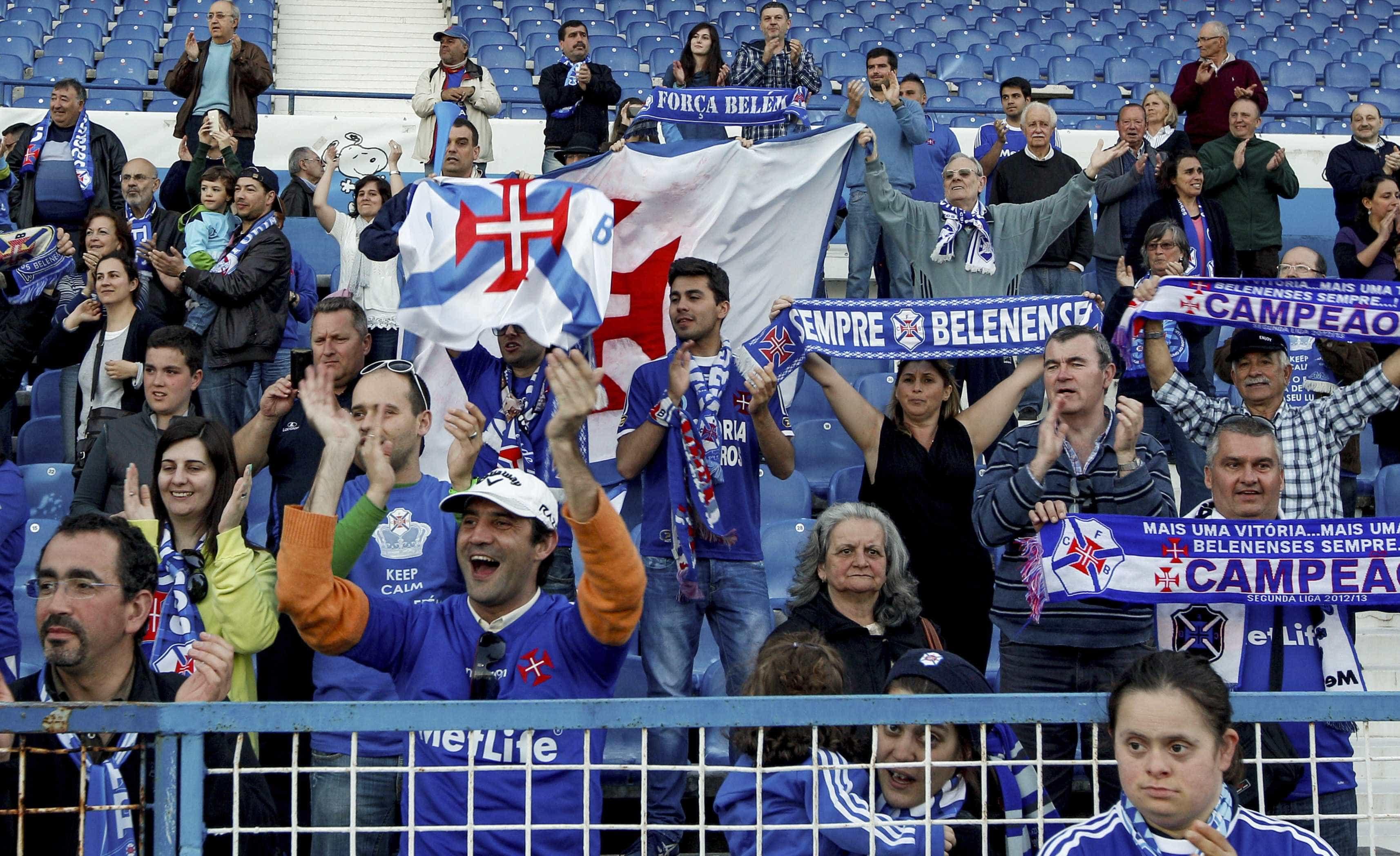 Polémica nas distritais: Árbitro acaba jogo do Belenenses aos 85 minutos