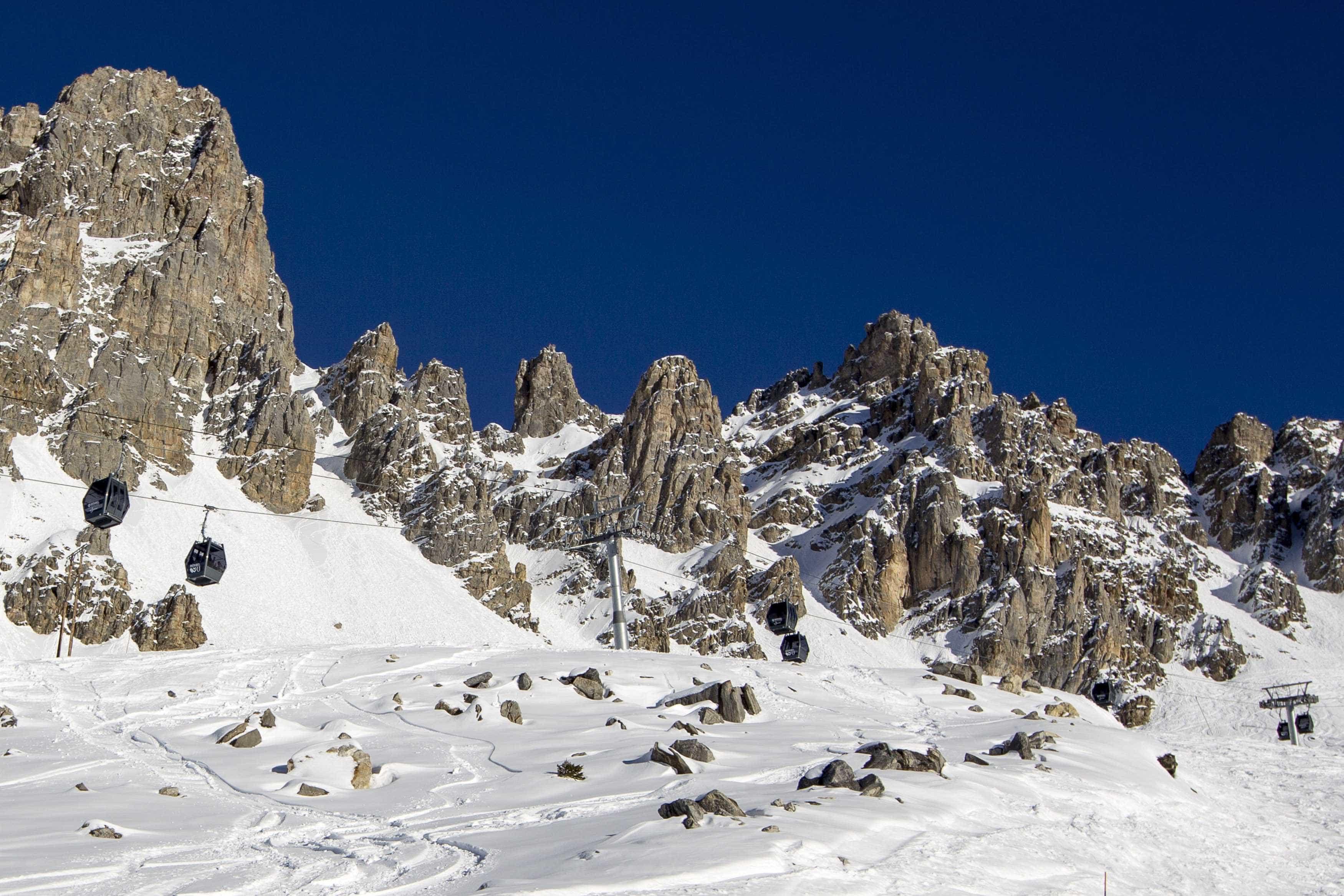 Recuperados corpos dos alpinistas desaparecidos em avalanche no Canadá