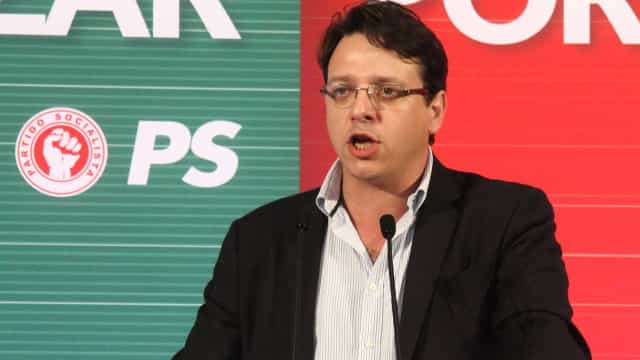 Deputado do PS recomenda a Governo classificação de teatro à venda no OLX