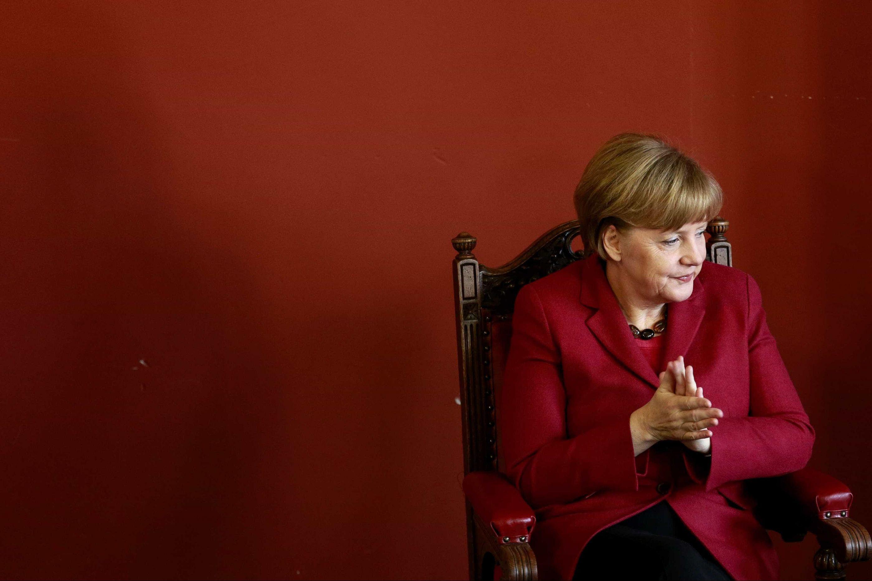 """Merkel insiste em Brexit ordenado e admite """"breve prorrogação"""""""