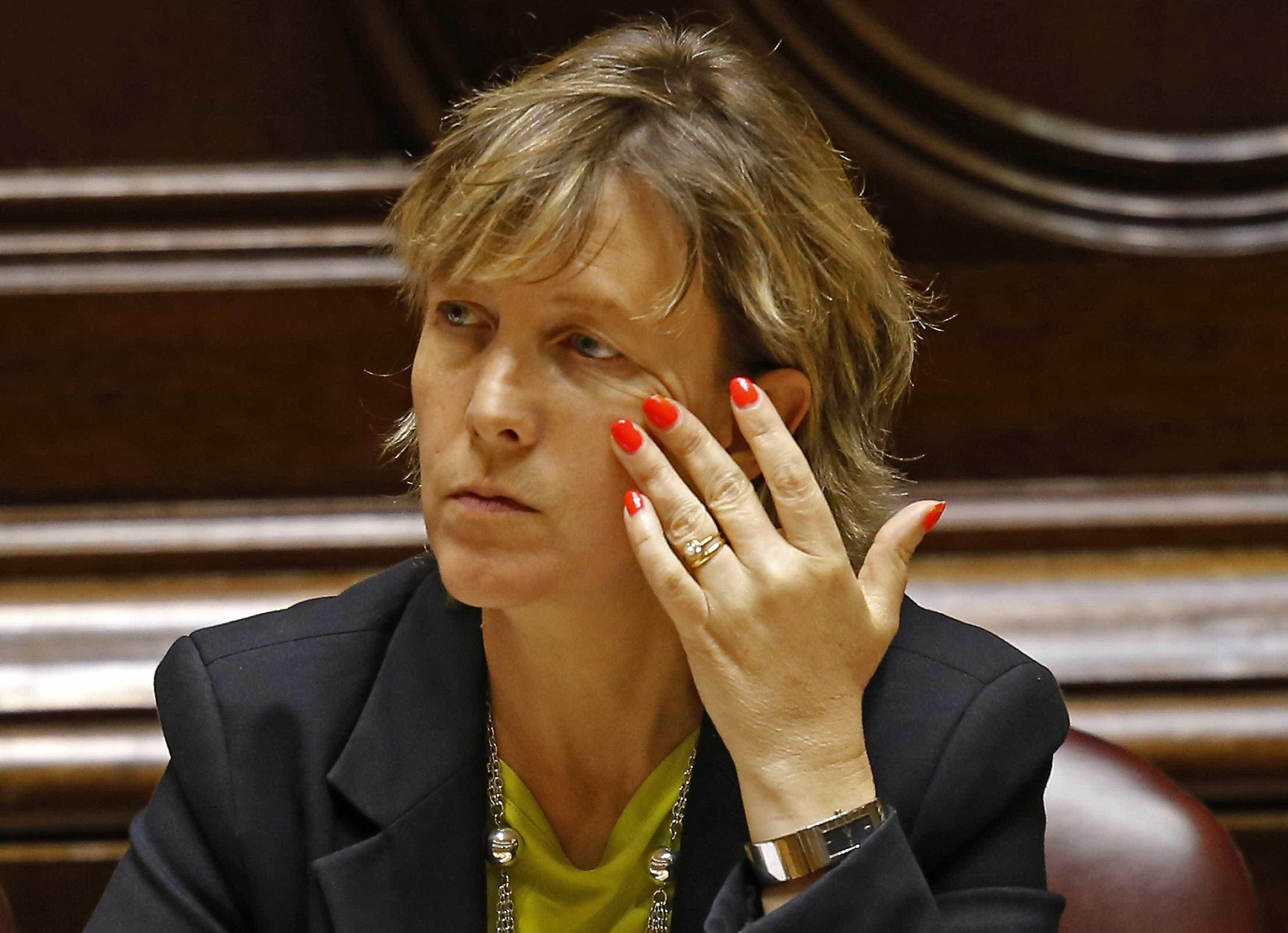 Primeiro dia de debate fecha com pergunta de Maria Luís Albuquerque