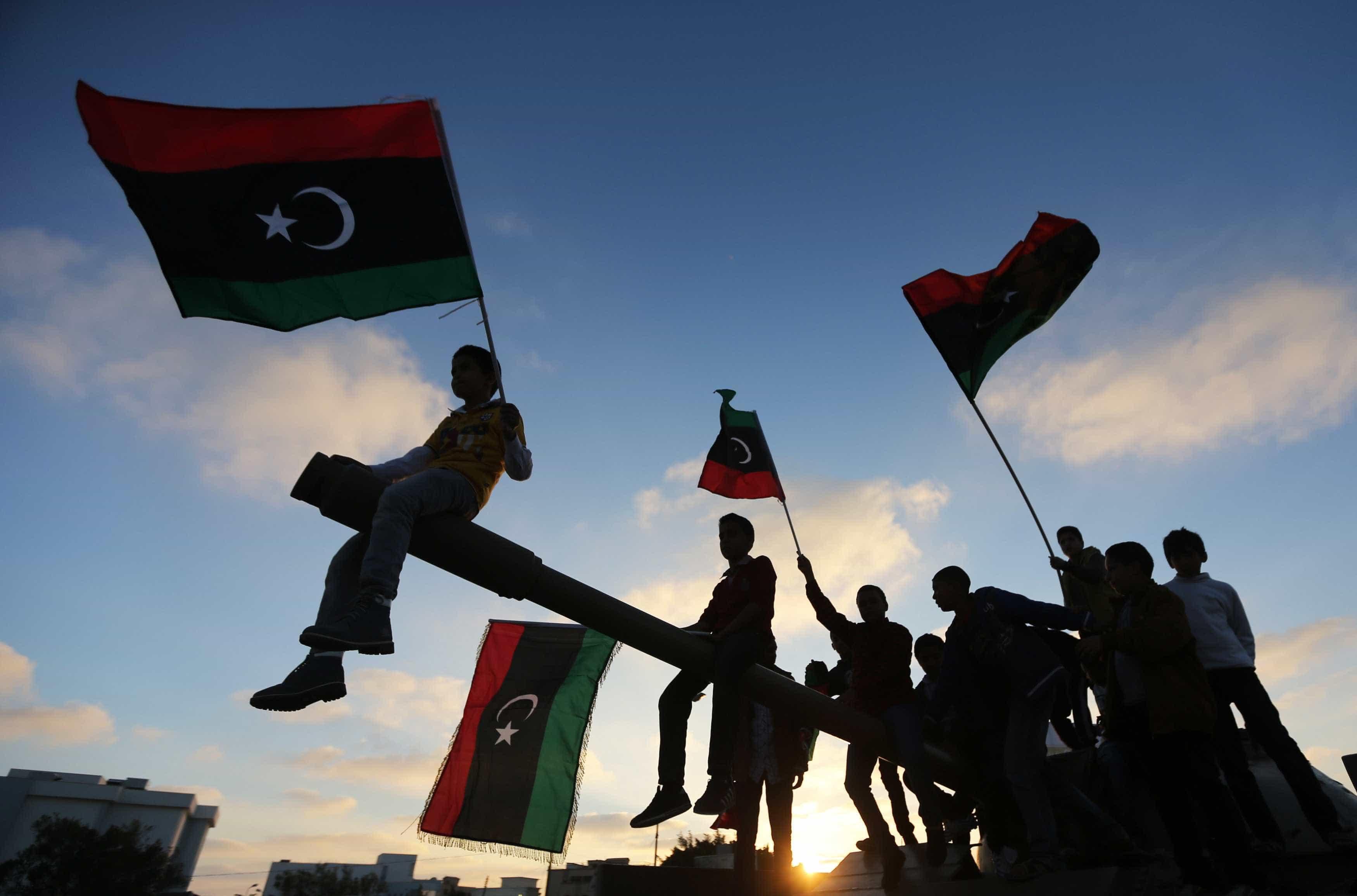 Pelo menos dois civis mortos em ataques com 'rockets' em Tripoli
