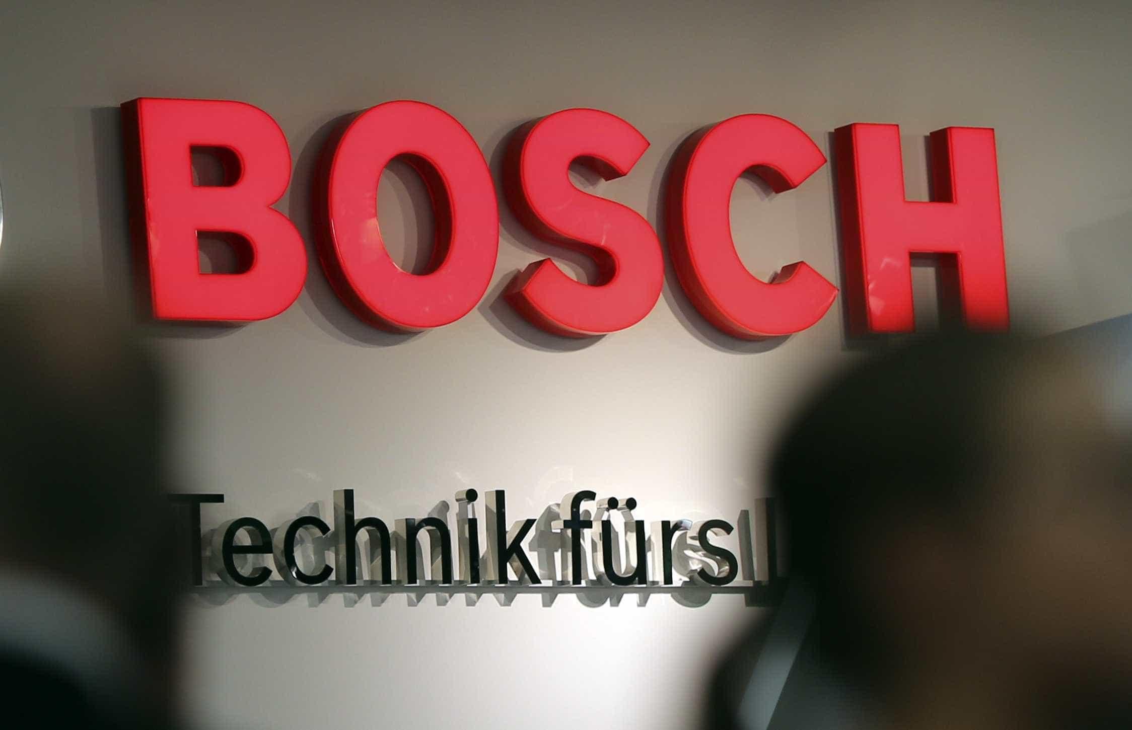 Operários da Bosch em greve contra condições laborais