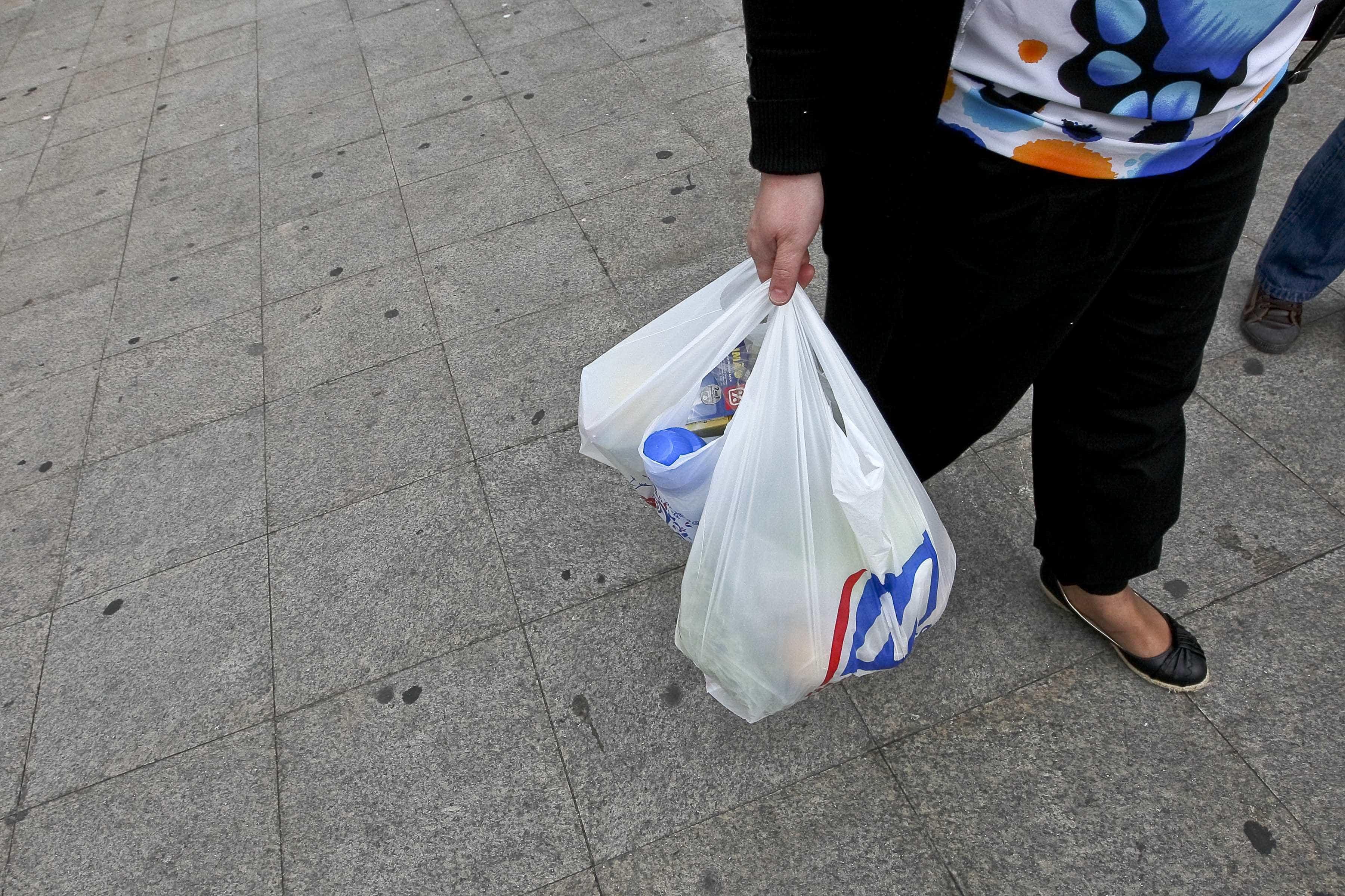 Grupo DIA ganha mais de 8% em bolsa depois de pré-acordo
