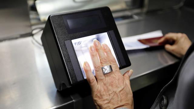 Aprovada lei para proteger trabalhadores das plataformas digitais