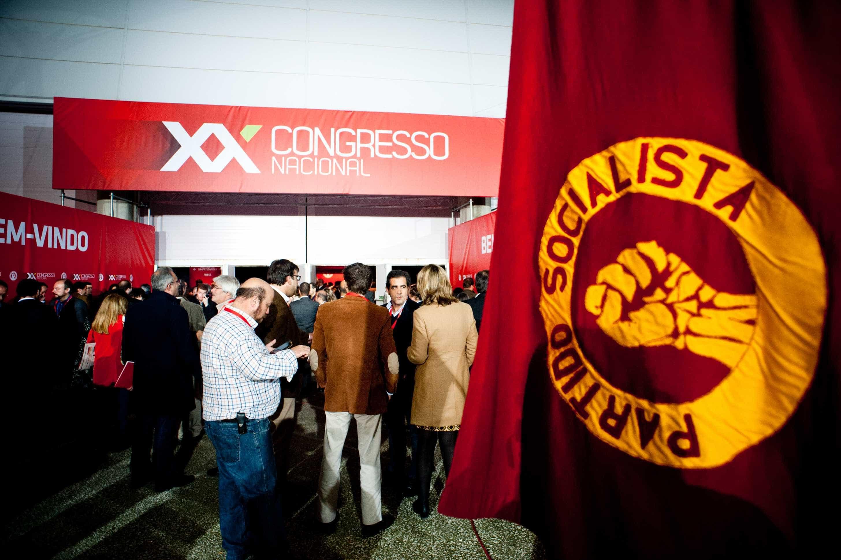 "PS congratula-se com défice ""histórico"""