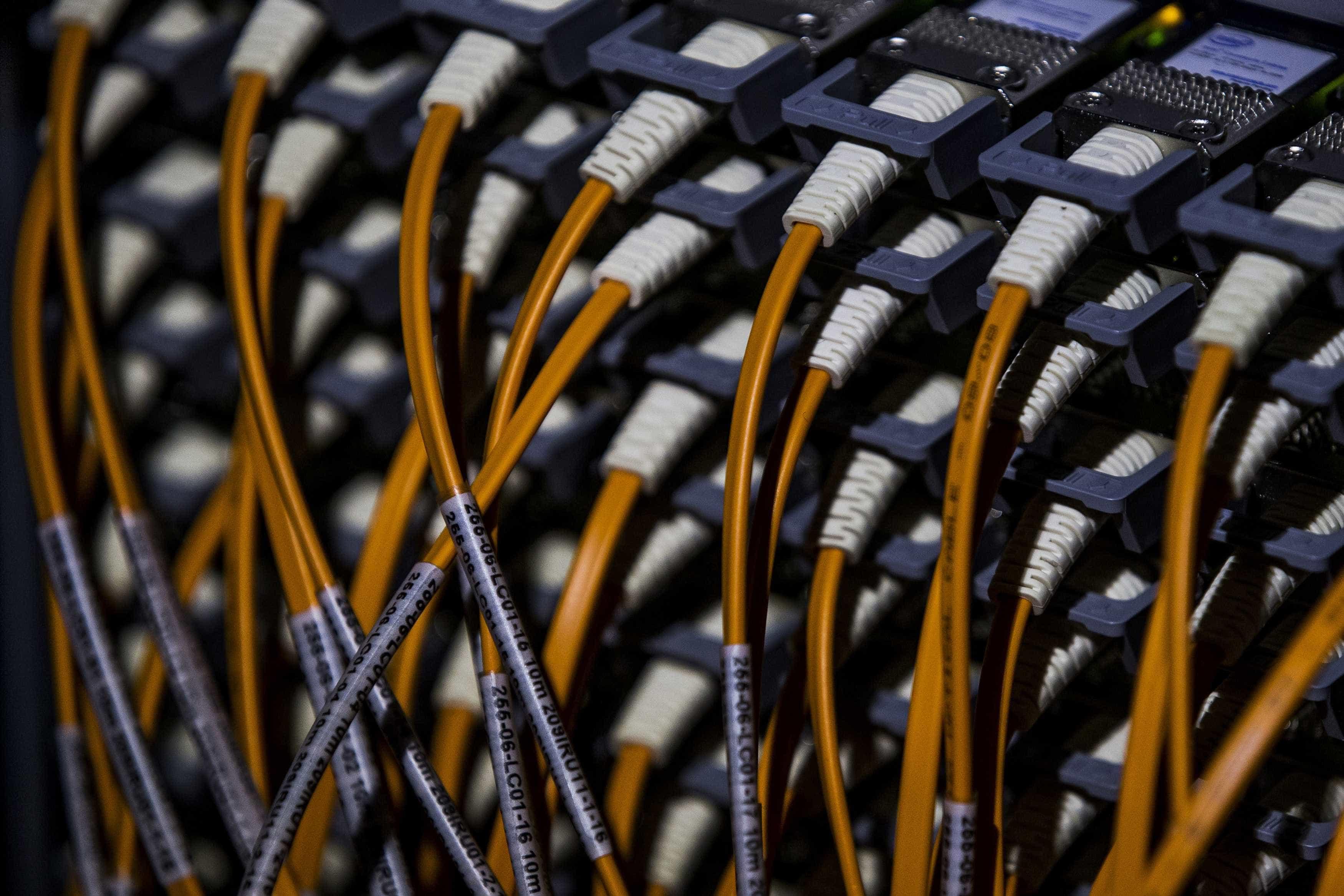 """Preços da banda larga móvel em Portugal ainda são """"relativamente caros"""""""