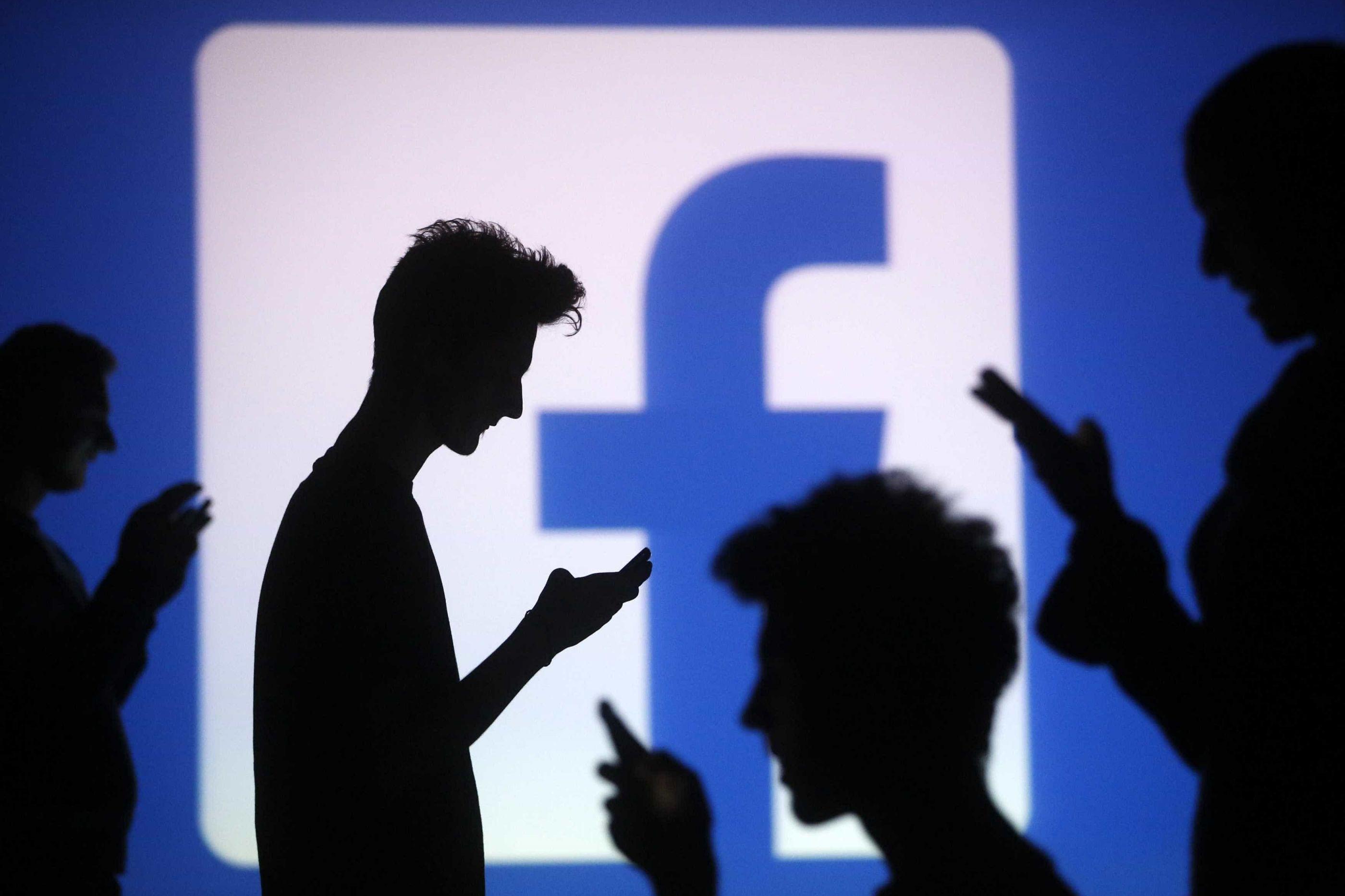 Depois de polémicas, responsável de comunicação do Facebook está de saída