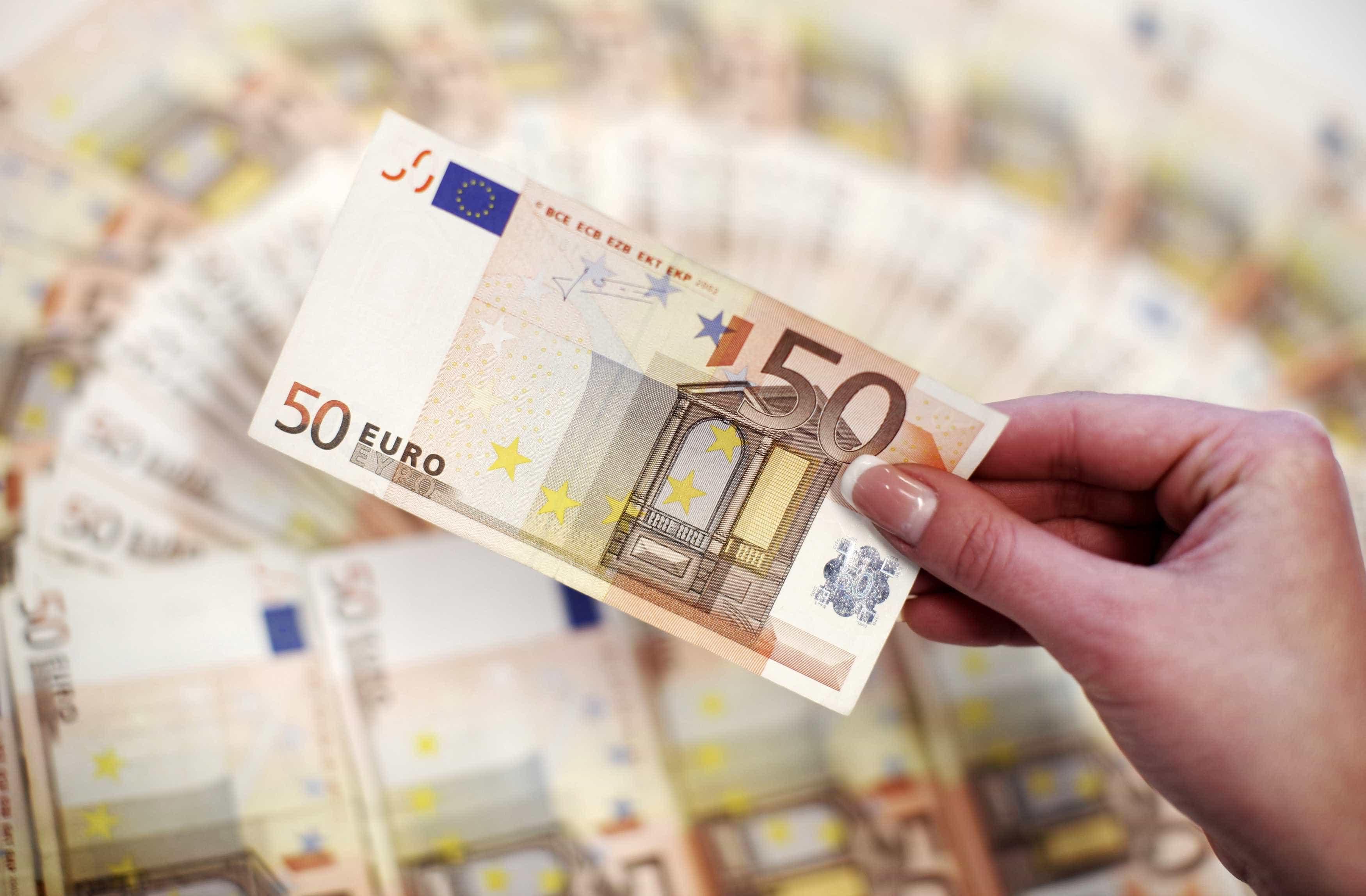 Relação confirma sentença que impõe coima de 50.000 euros à Meo