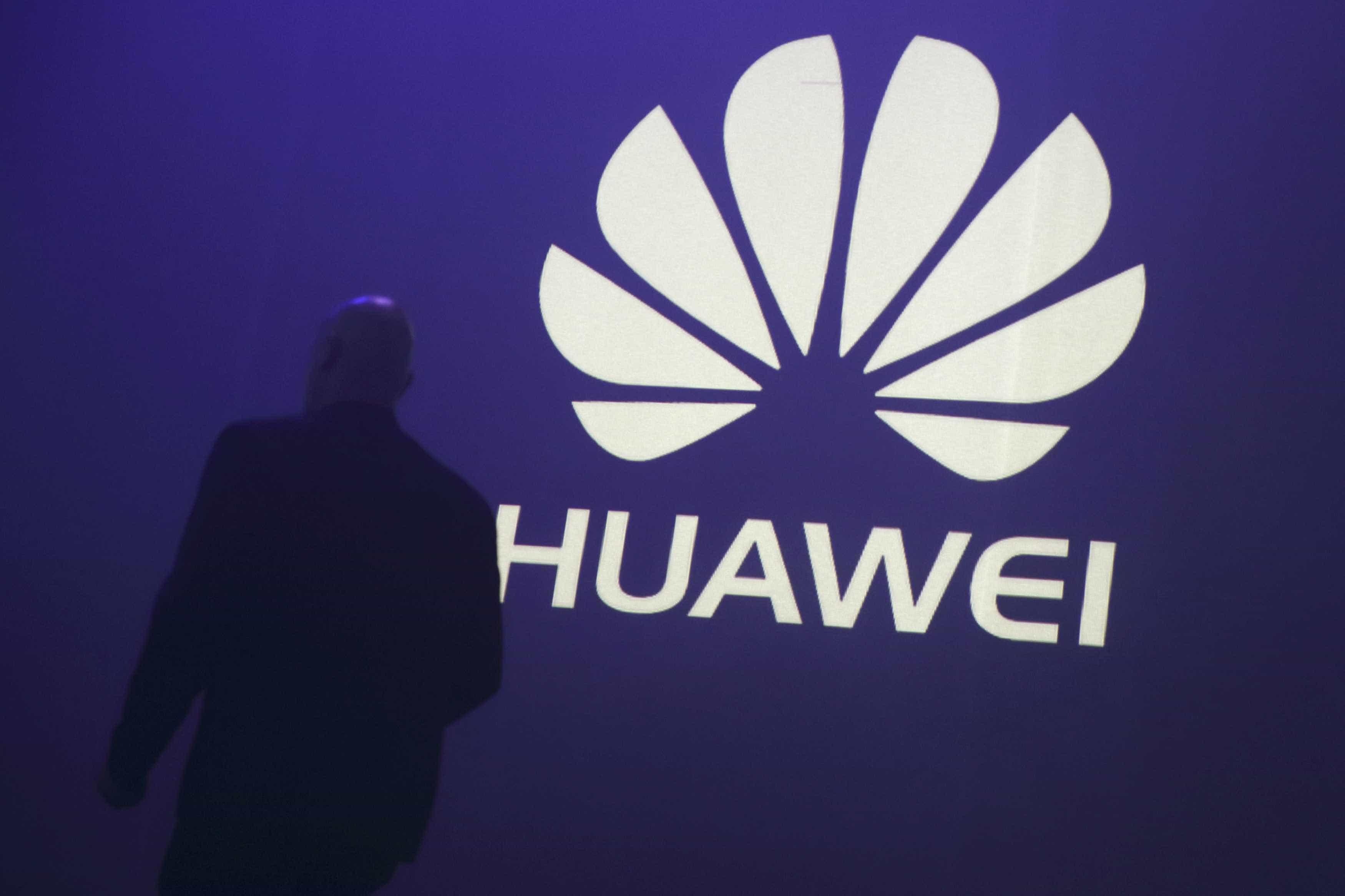 Revelada imagem que mostra os novos smartphones da Huawei